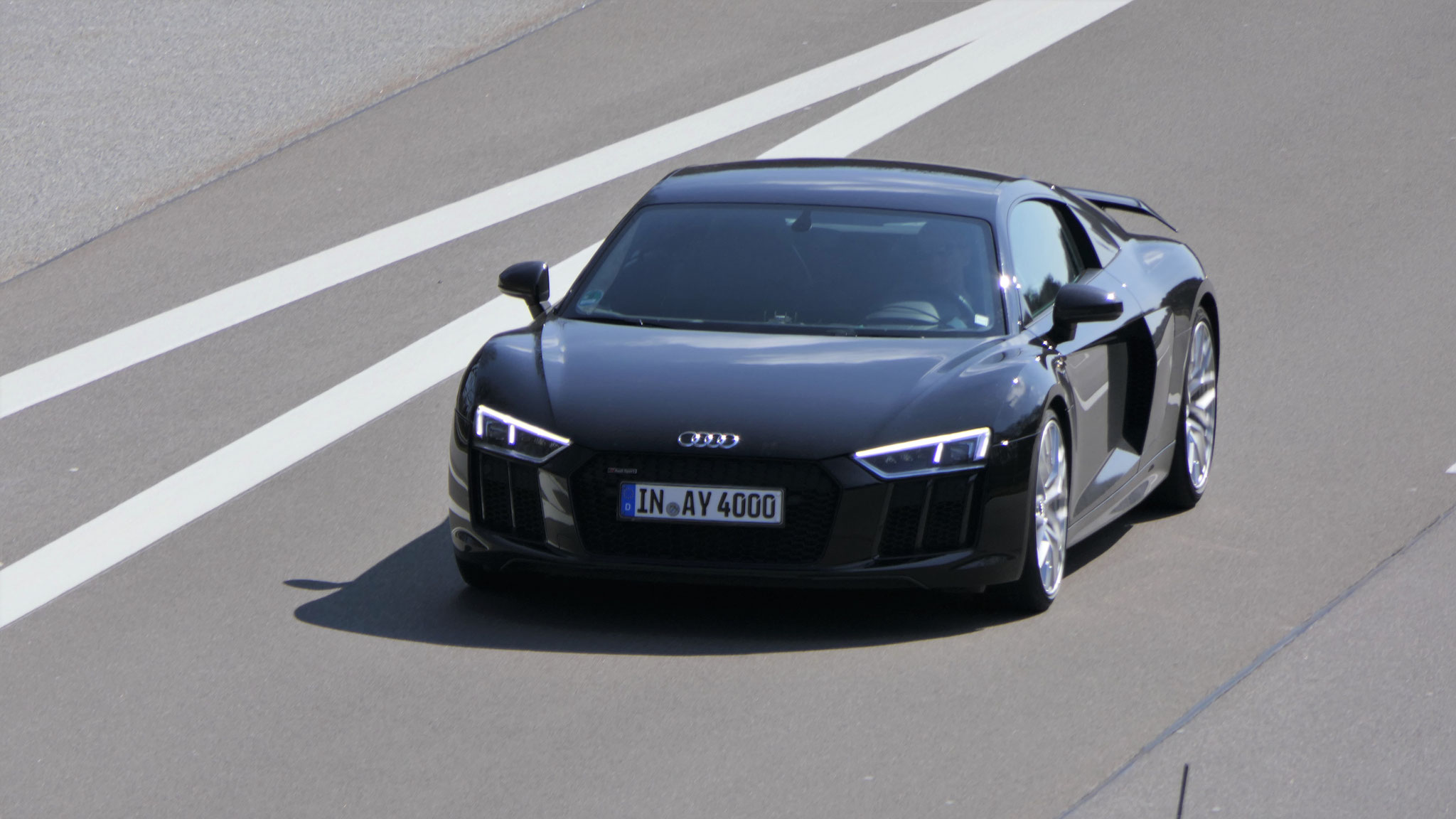 Audi R8 V10 - IN-AY-4000