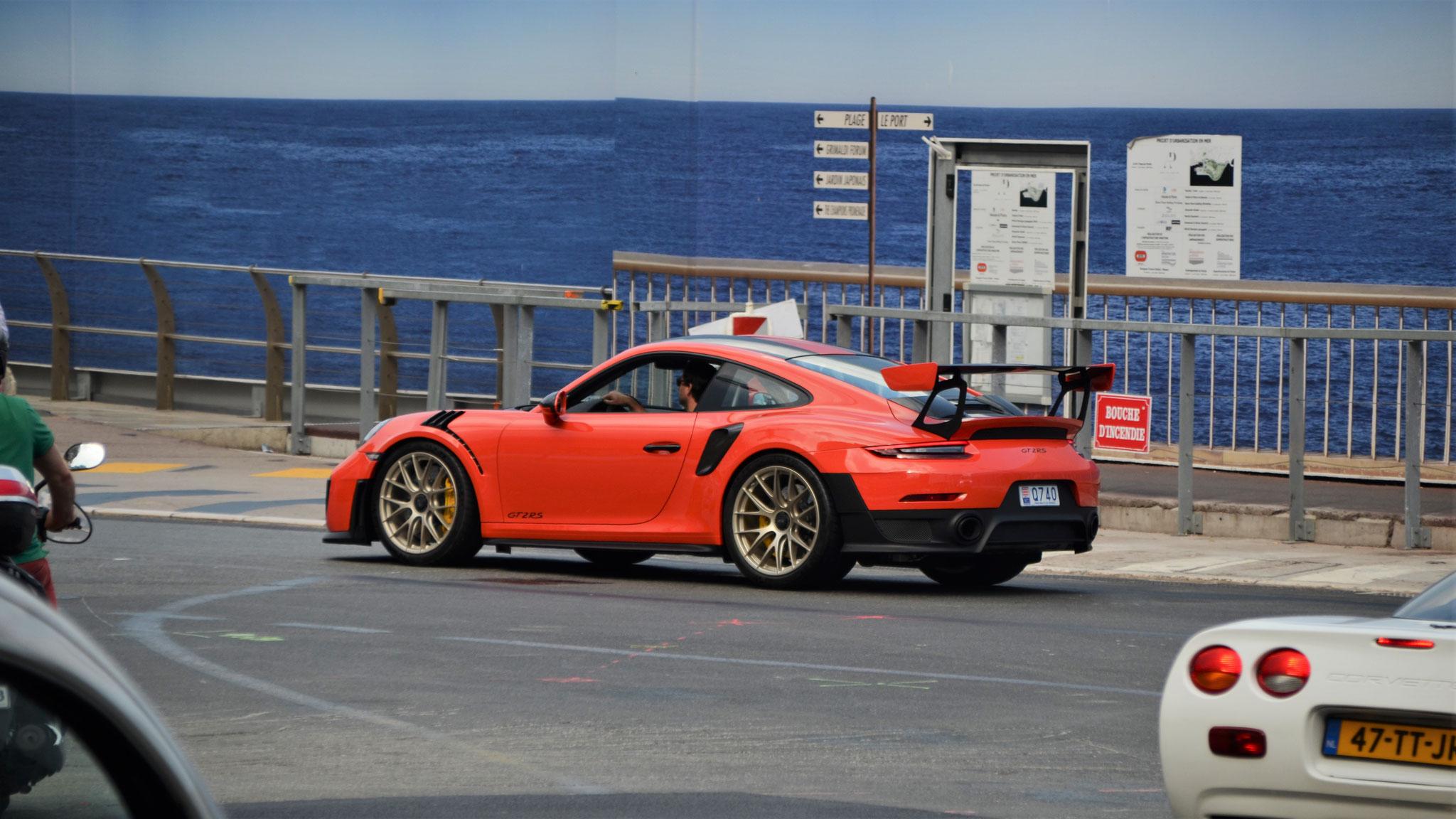 Porsche 911 GT2 RS - Q740 (MC)