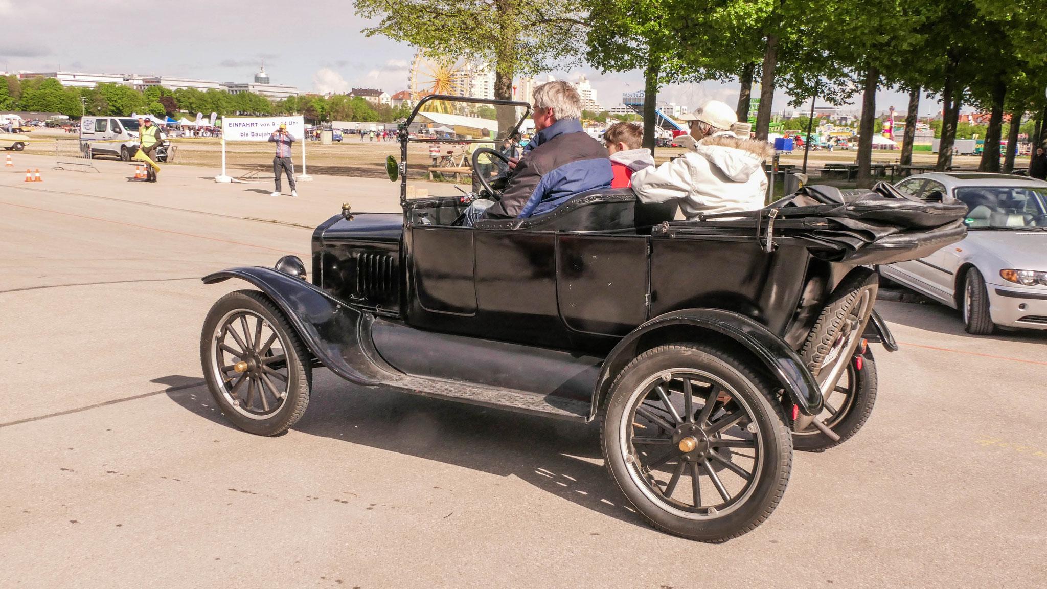 Ford Model T Tourer - 1922H