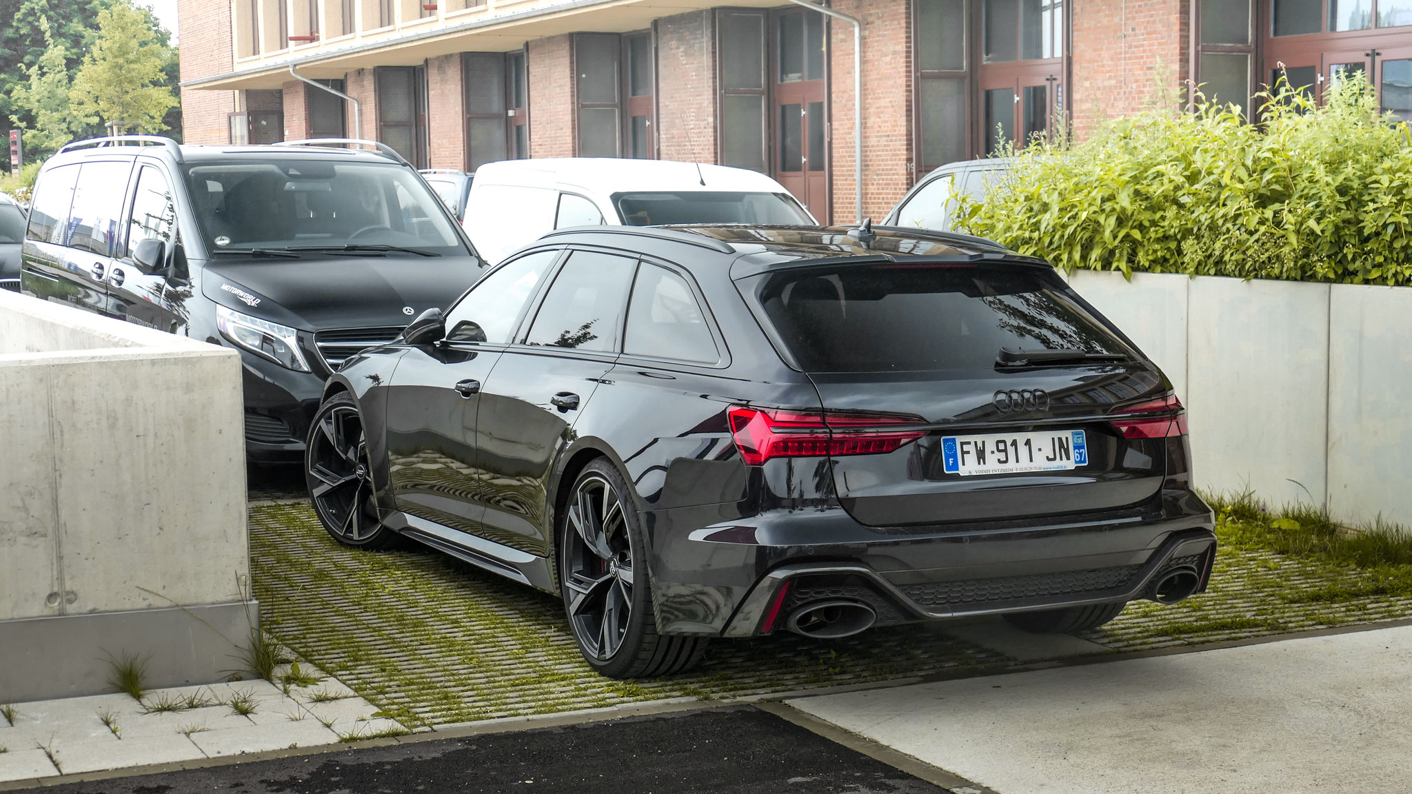 Audi RS6 - FW-911-JN-67 (FRA)