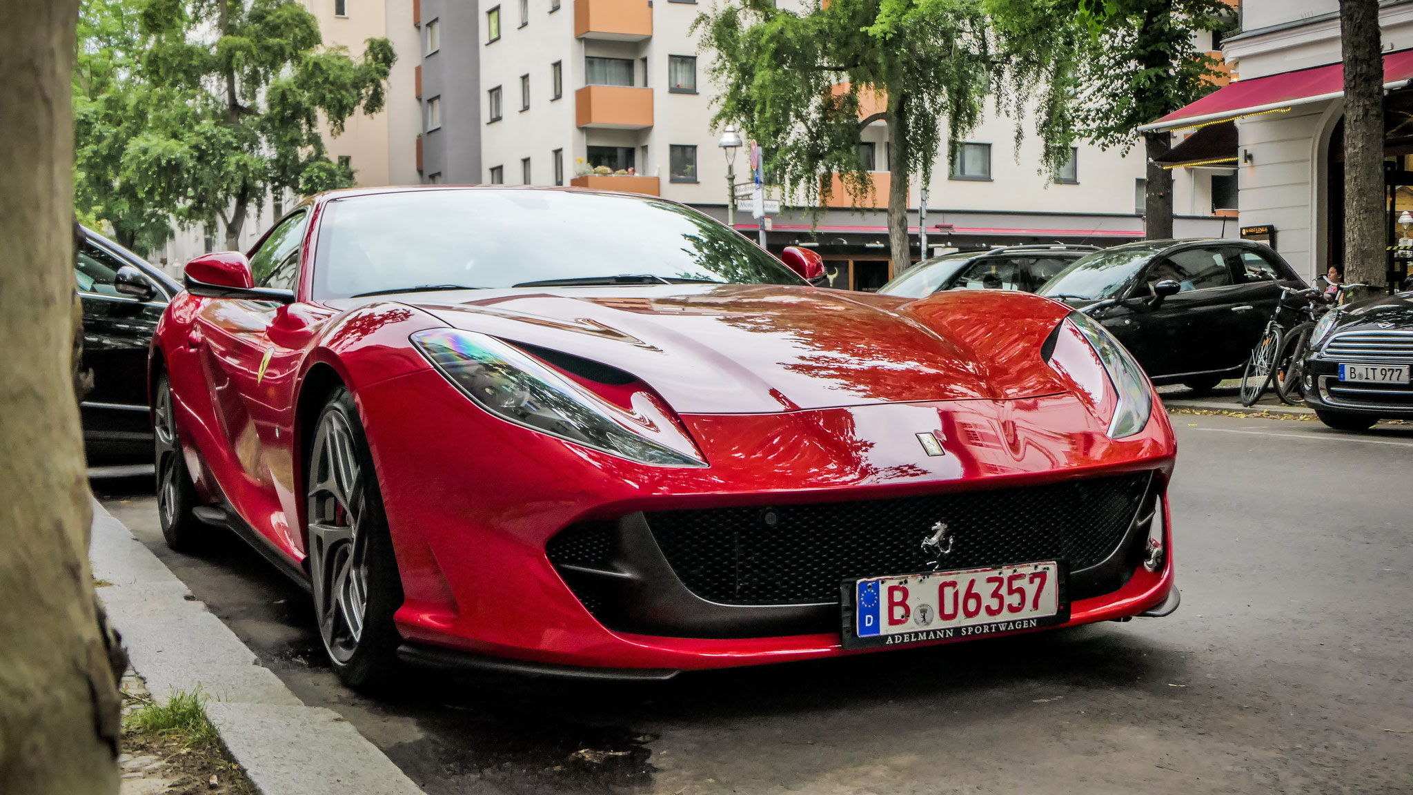 Ferrari 812 Superfast - B-06357