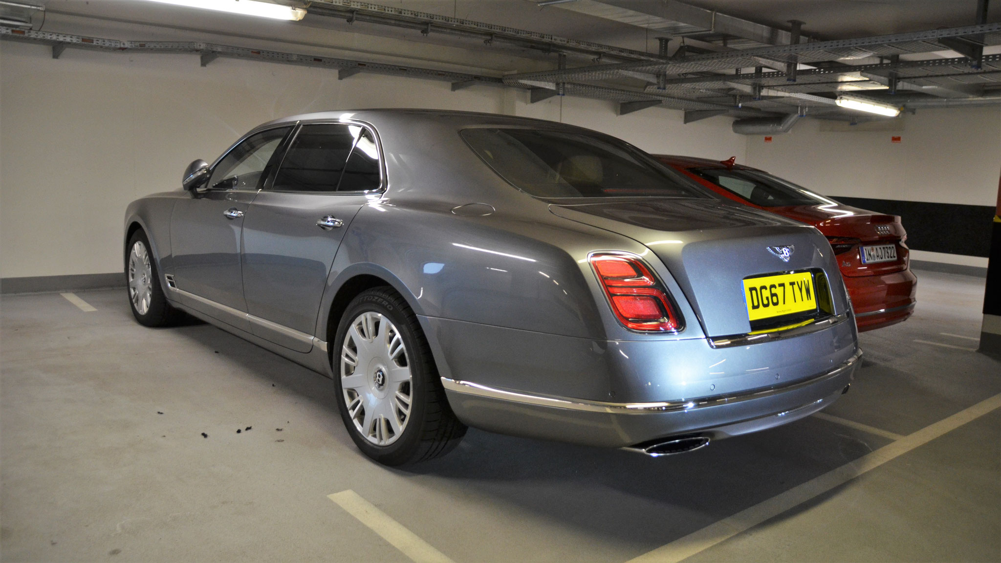 Bentley Mulsanne - DG67-TYW (GB)