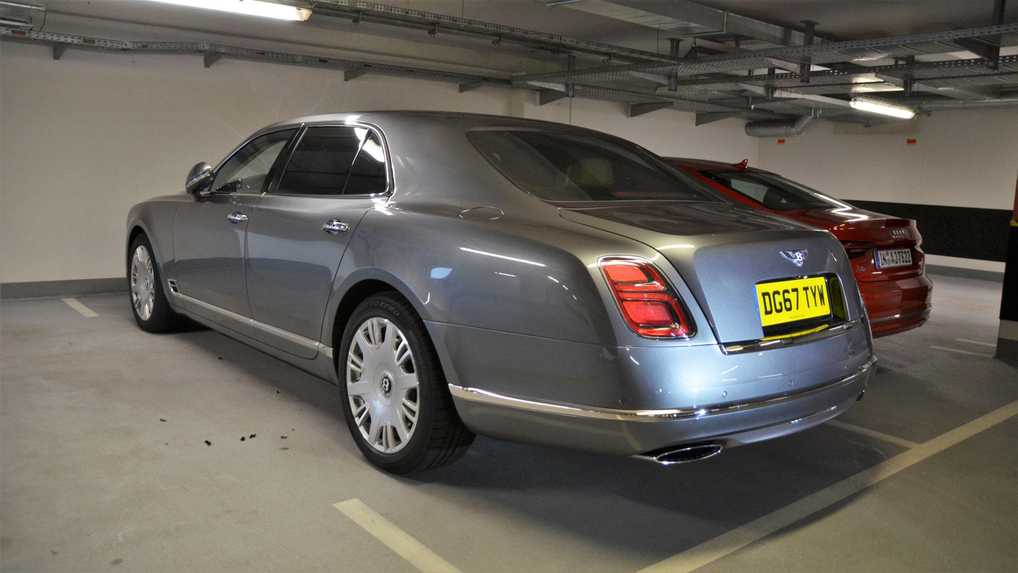 Bentley Mulsanne - DG67-TYW (GB)