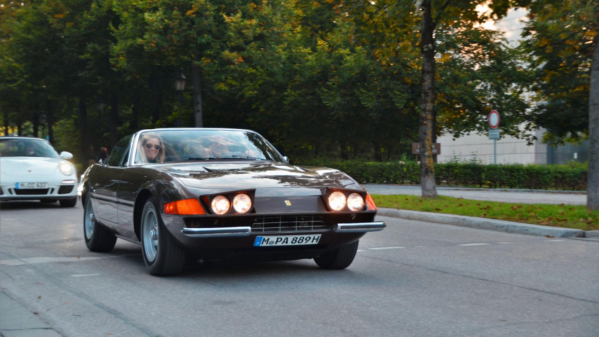 Ferrari 365 Daytona Spider (1 of 125) - M-PA-889H