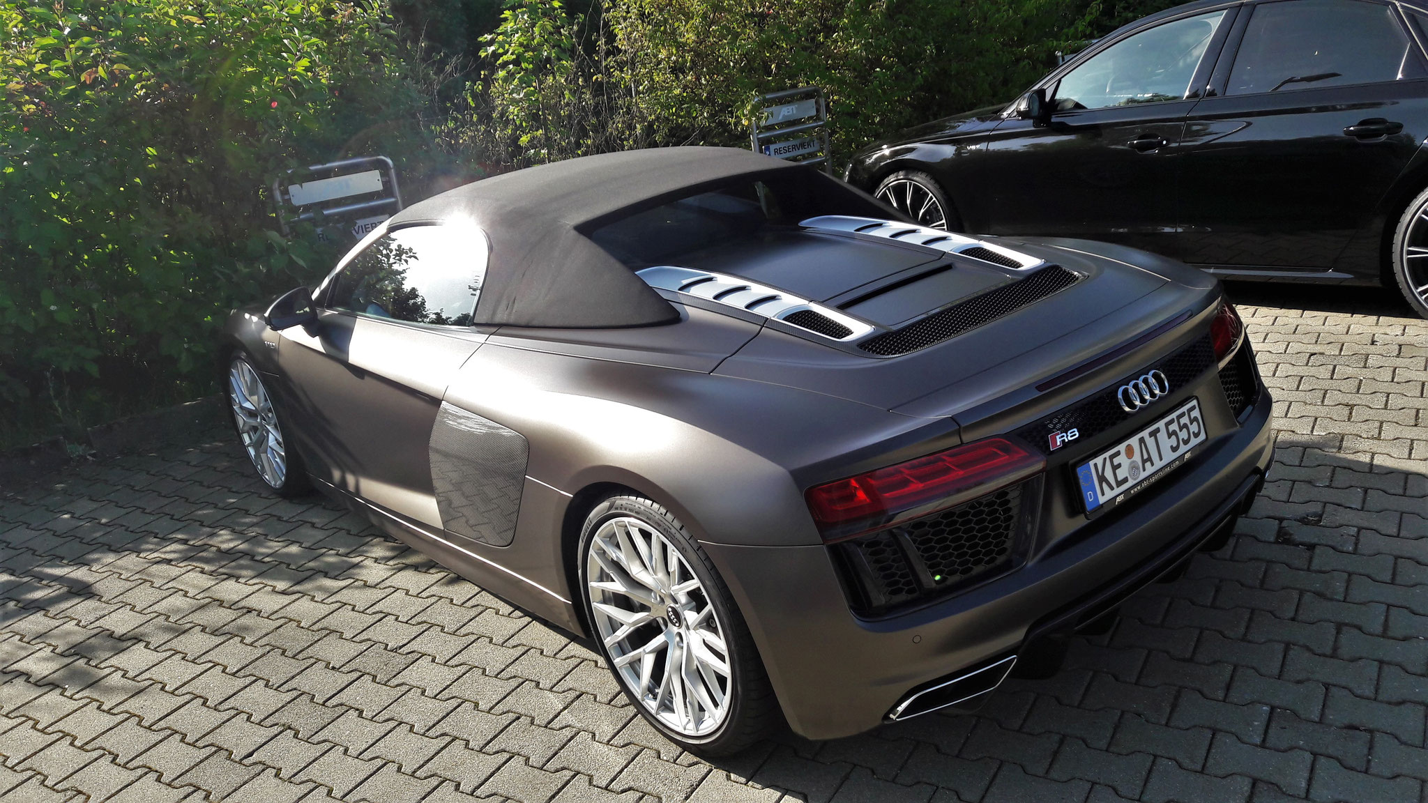 Audi R8 V10 Spyder - KE-AT-555