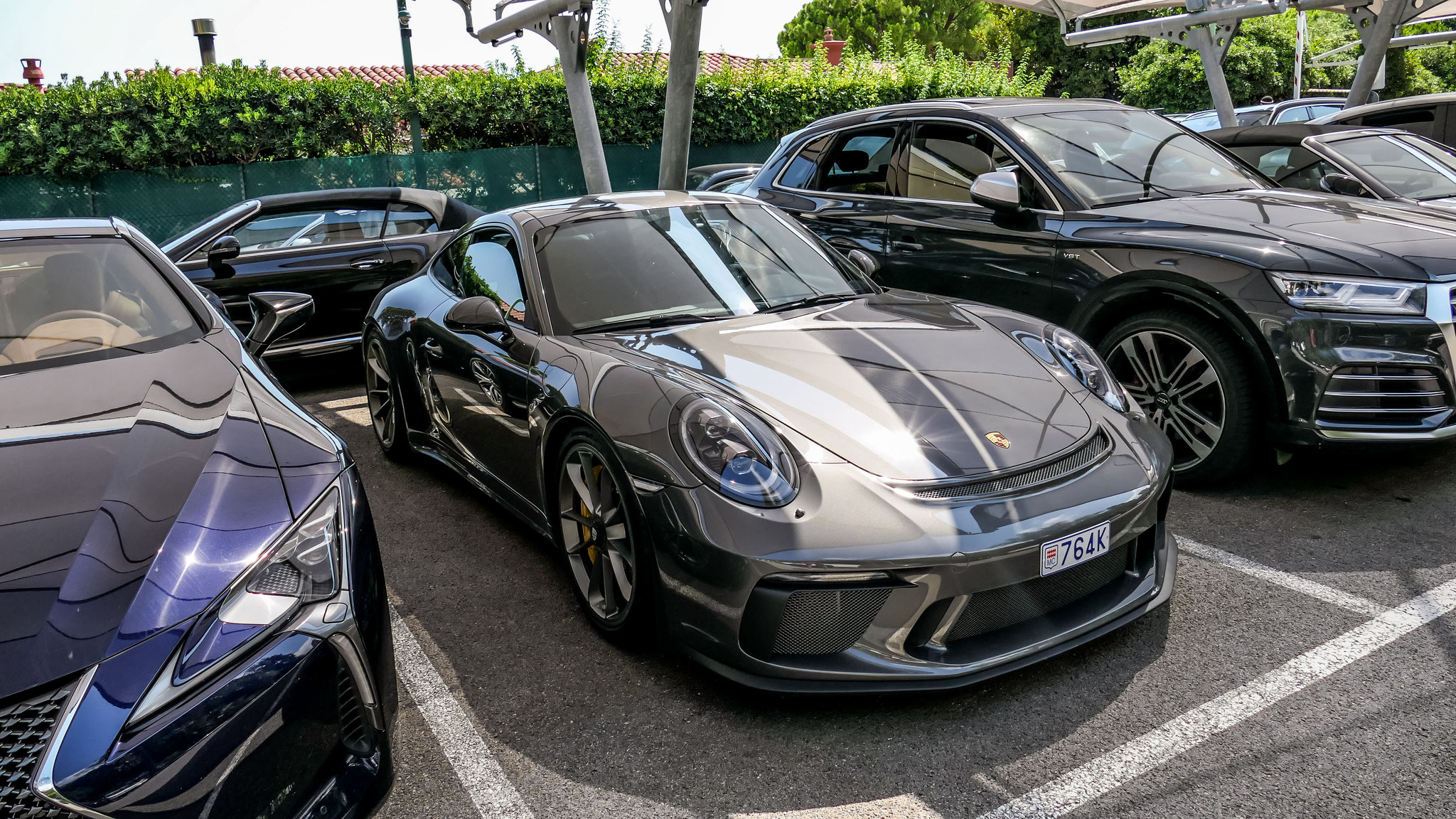 Porsche 991 GT3 Touring Package - 764K (MC)