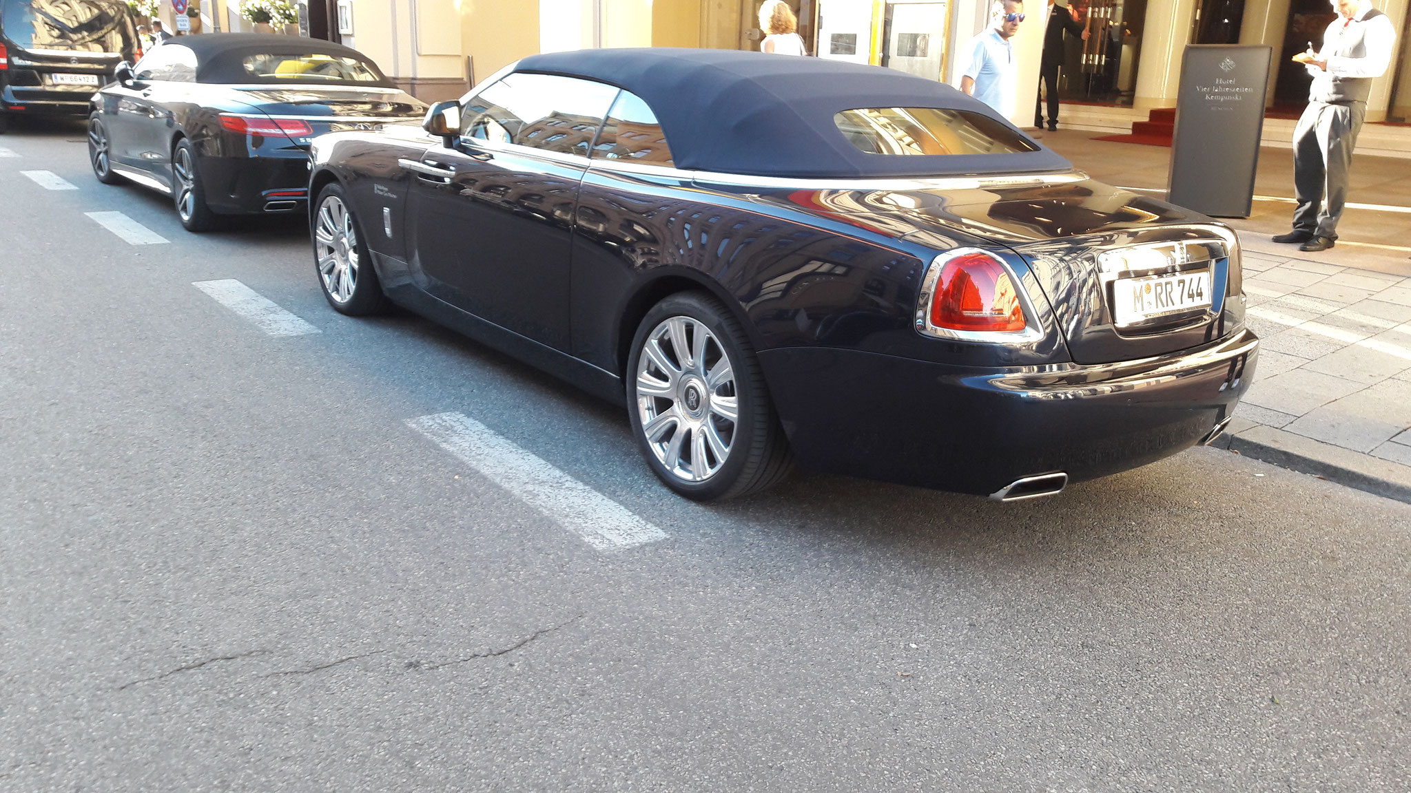 Rolls Royce Dawn - M-RR-744