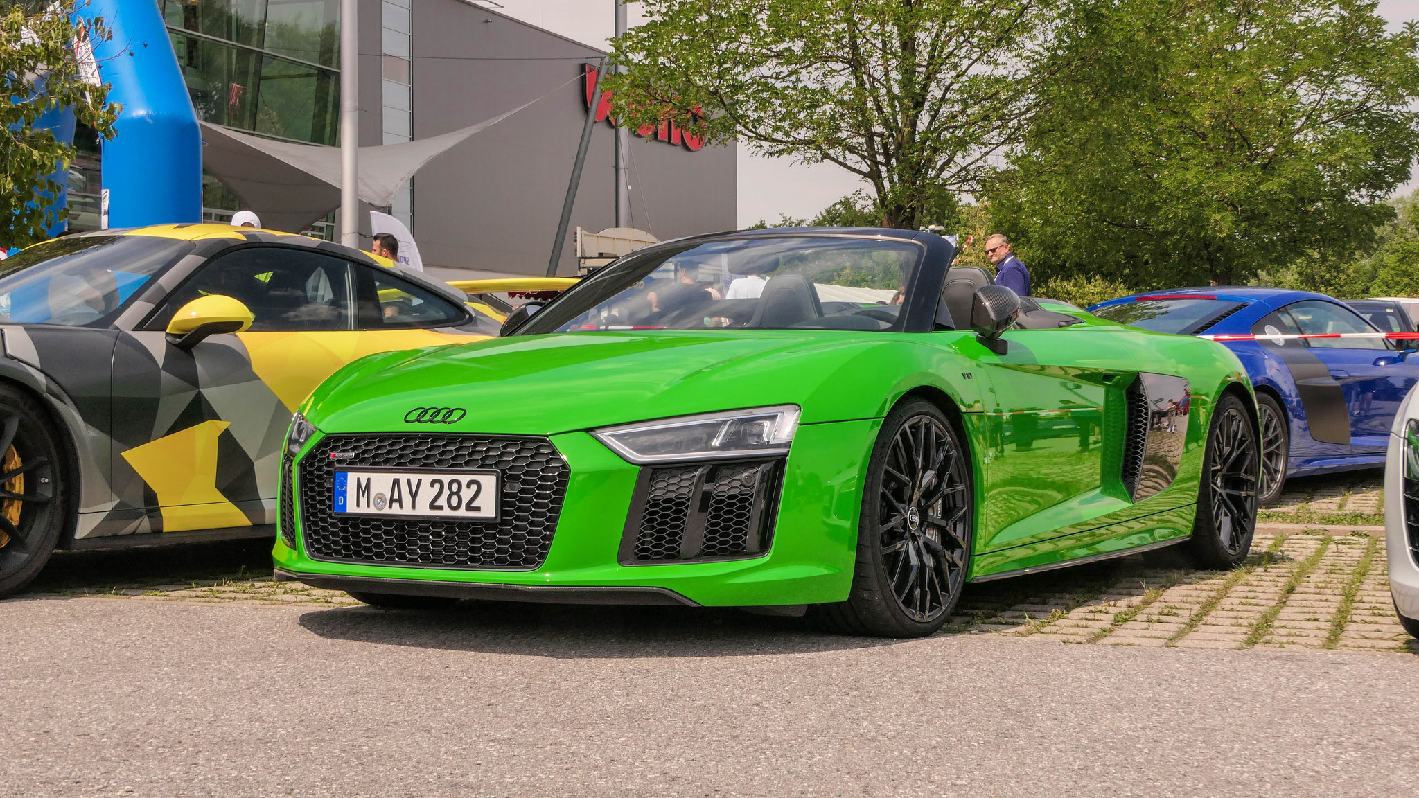 Audi R8 V10 Spyder - M-AY-282
