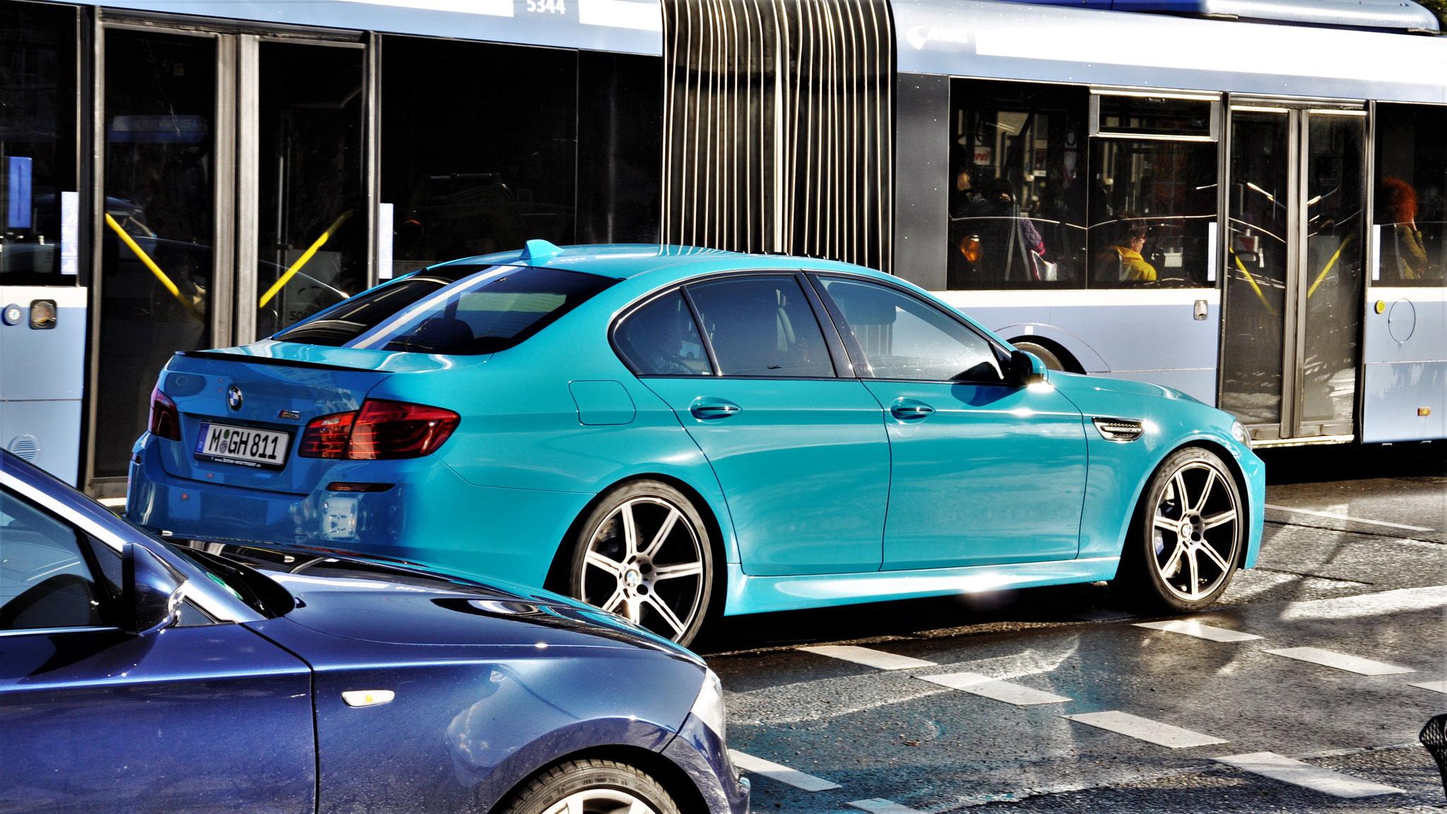 BMW M5 - M-GH-811