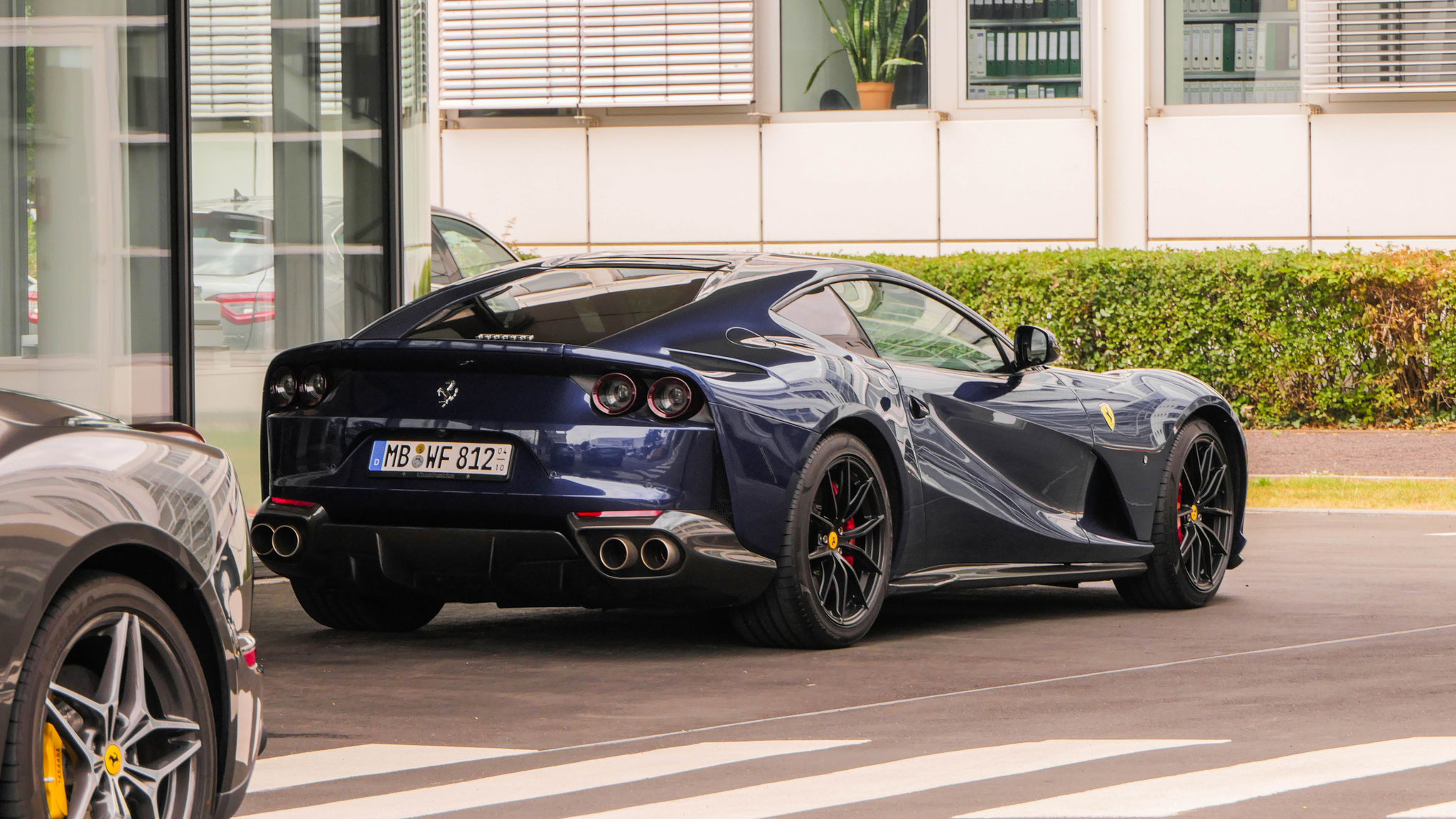 Ferrari 812 Superfast - MB-WF-812