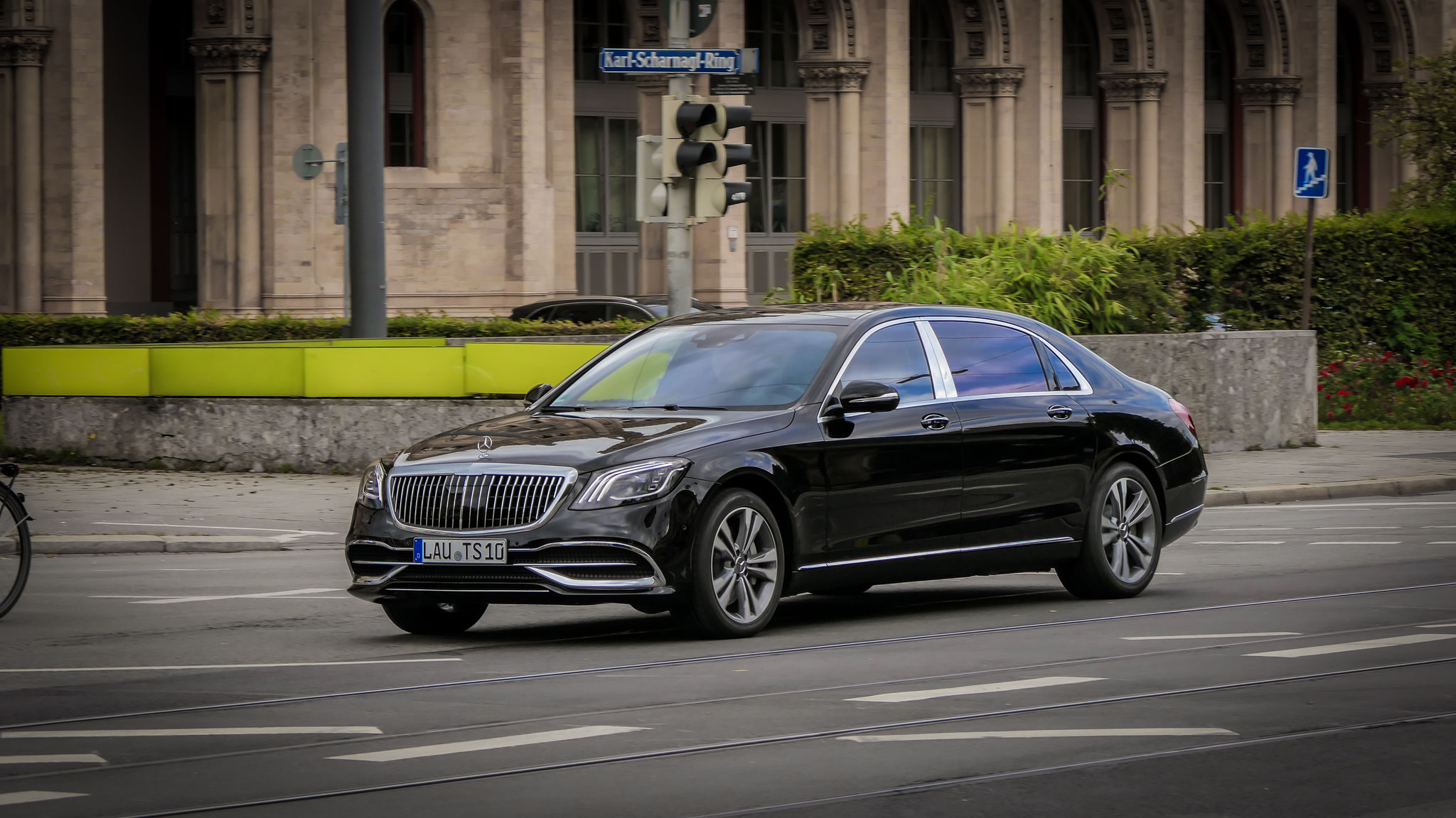 Mercedes Maybach S560 - LAU-TS-10