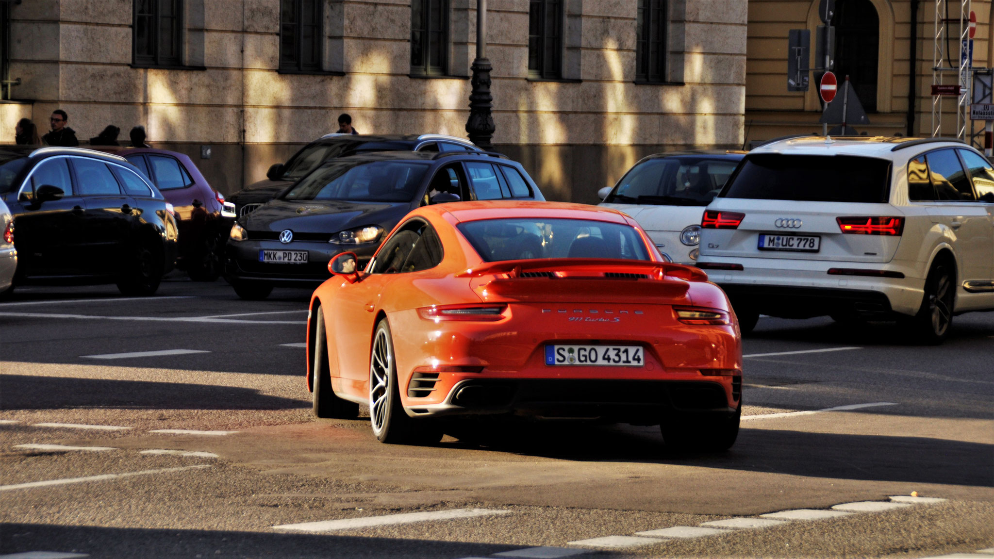 Porsche 911 Turbo S - S-GO-4314