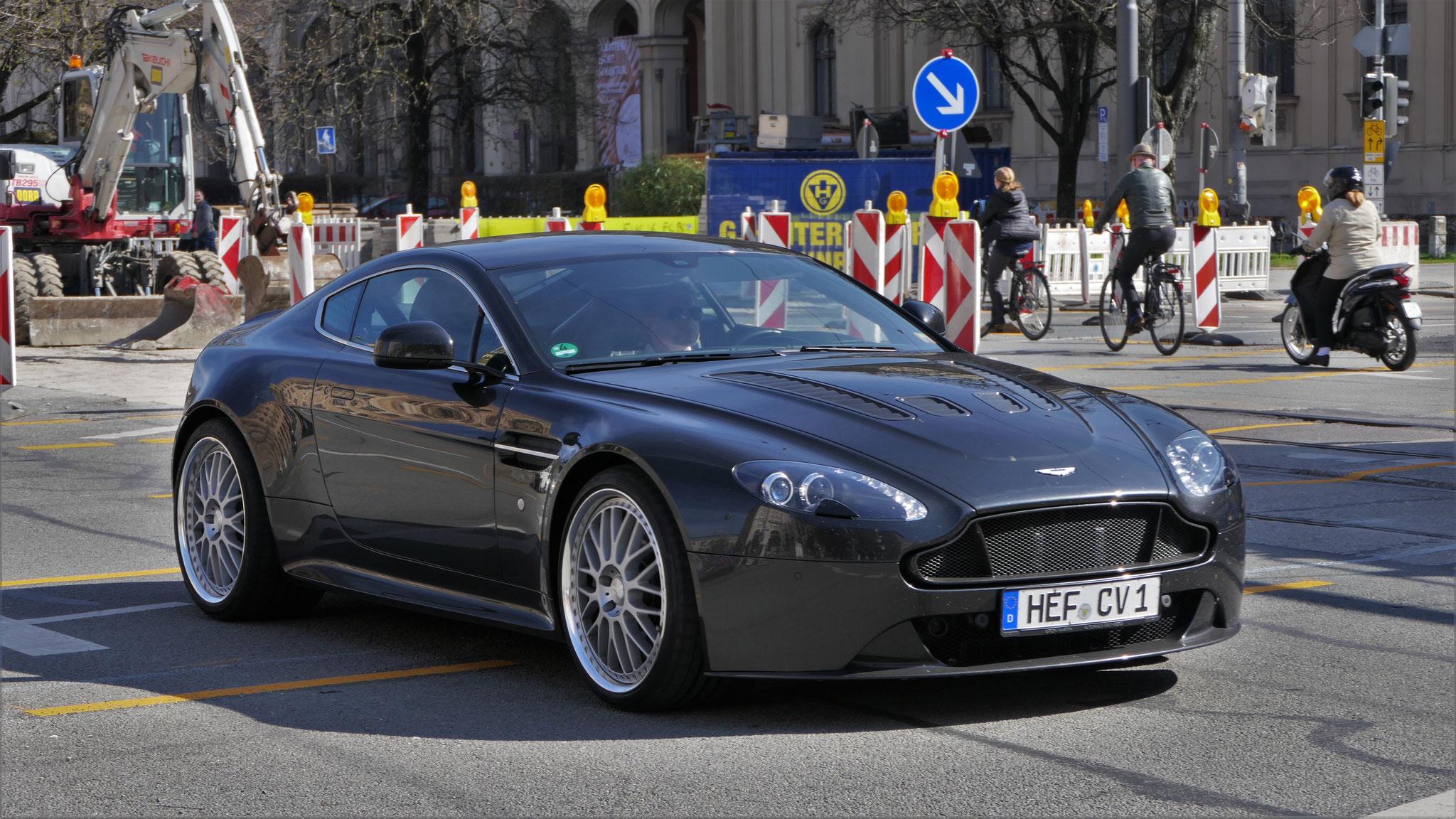 Aston Martin Vantage V12 - HEF-CV-1