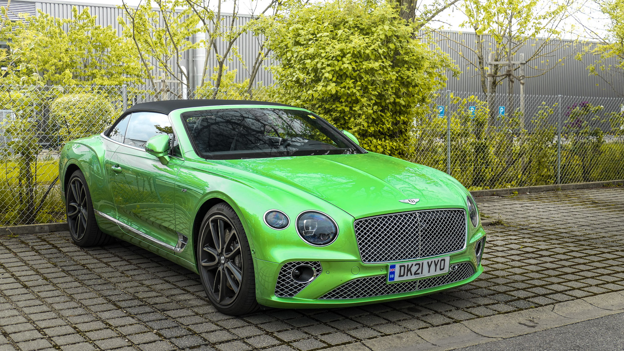 Bentley Continental GTC - DK21-YYO (GB)