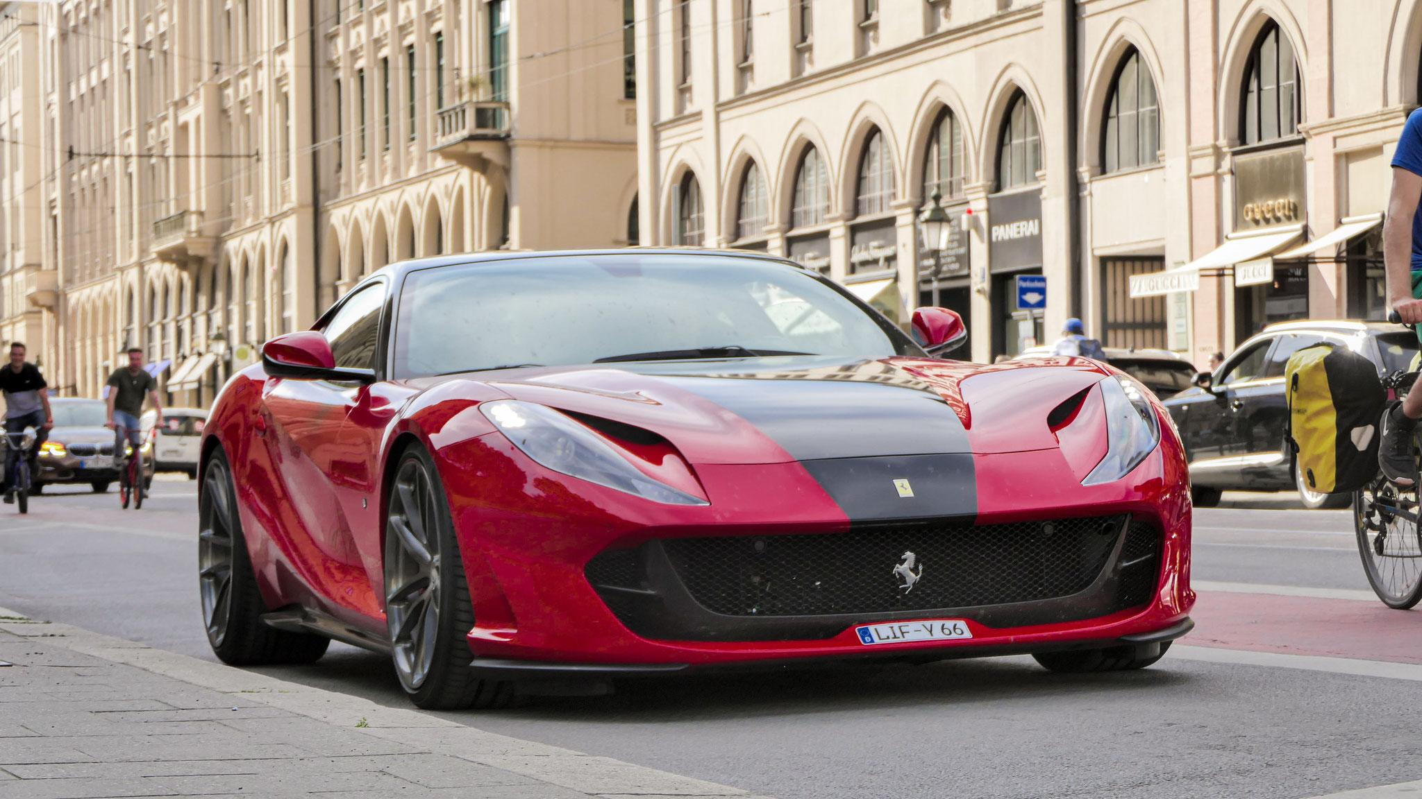 Ferrari 812 Superfast - LIF-Y-66