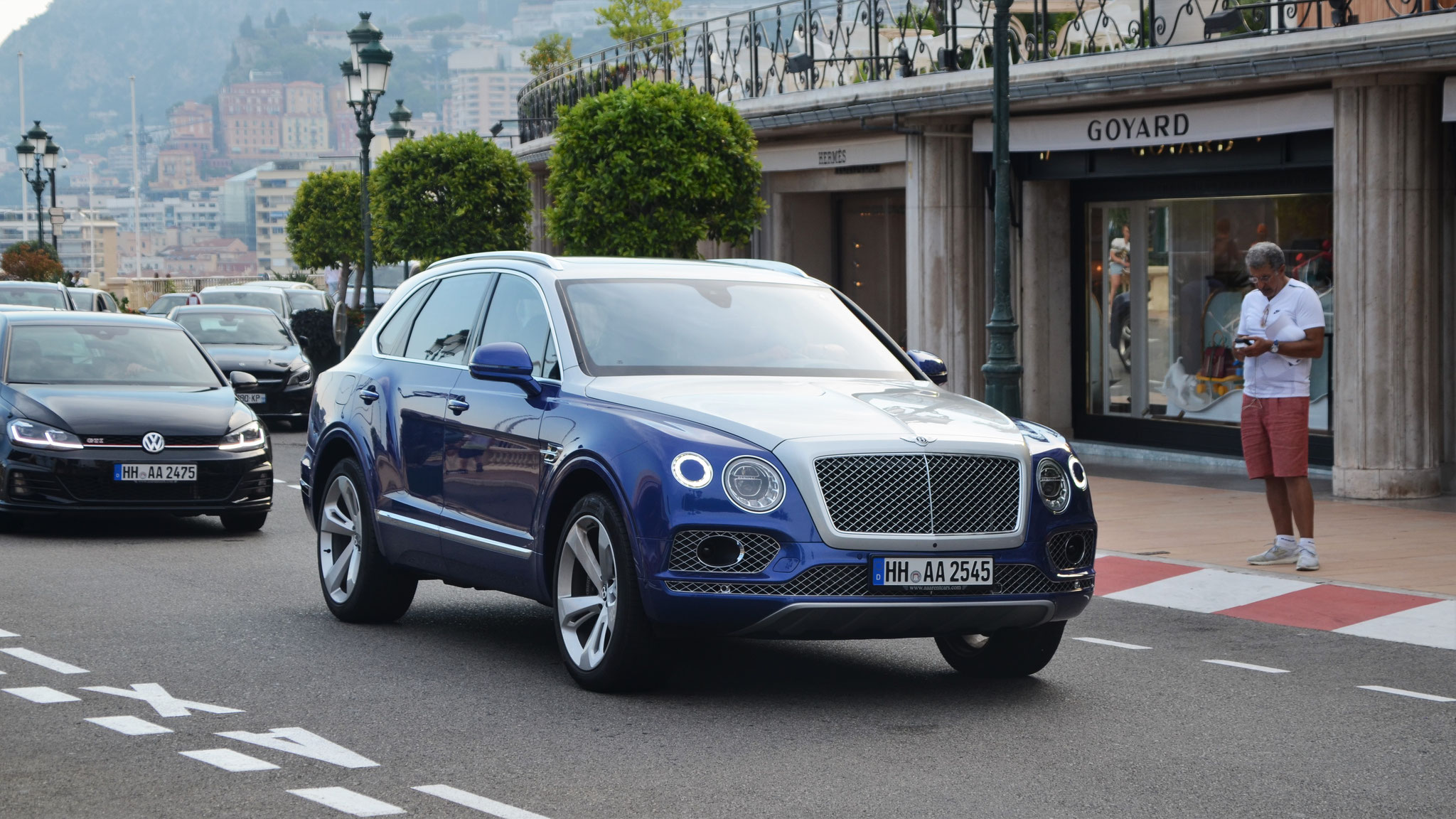 Bentley Bentayga - HH-AA-2545
