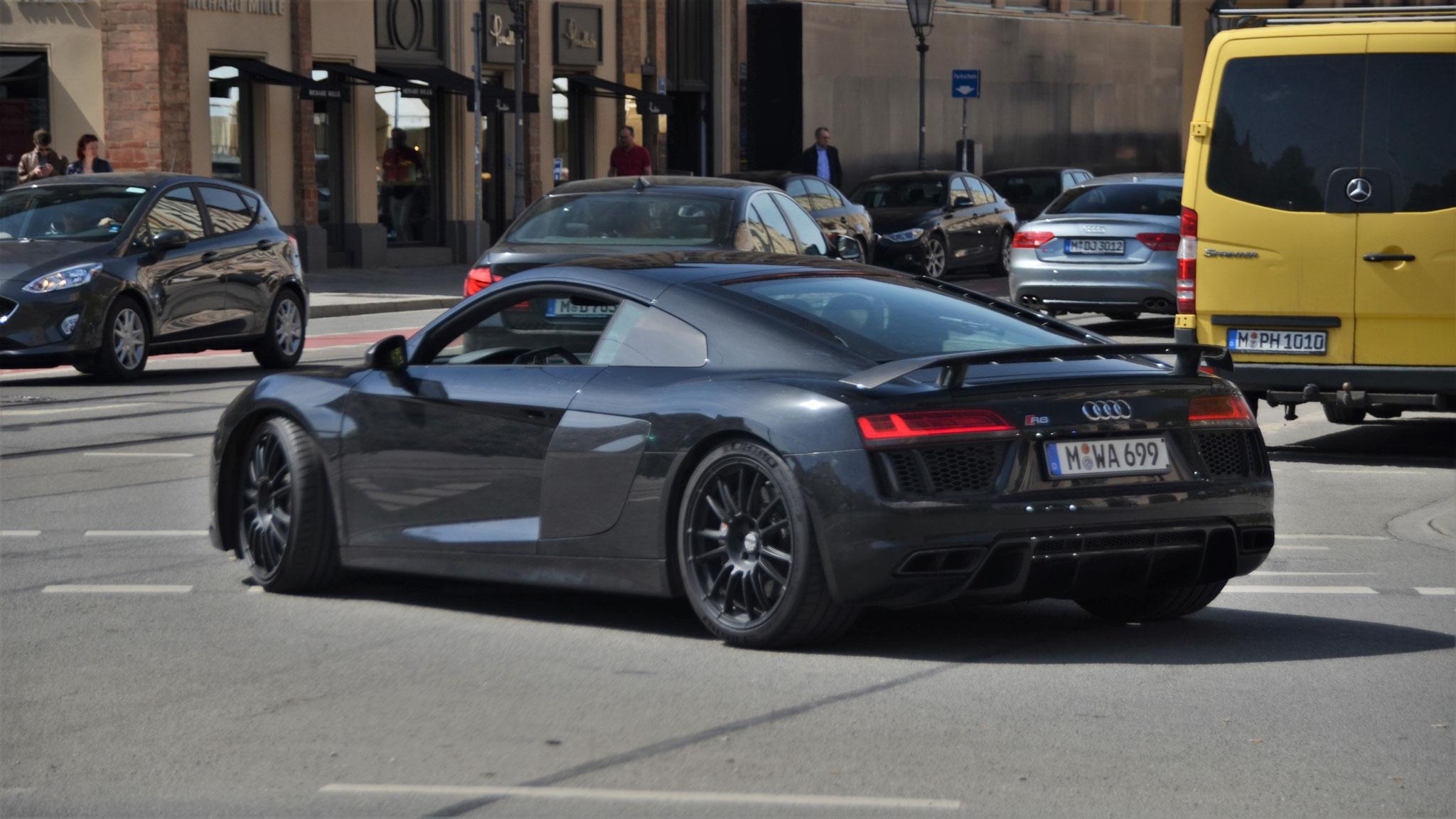 Audi R8 V10 - M-WA-699