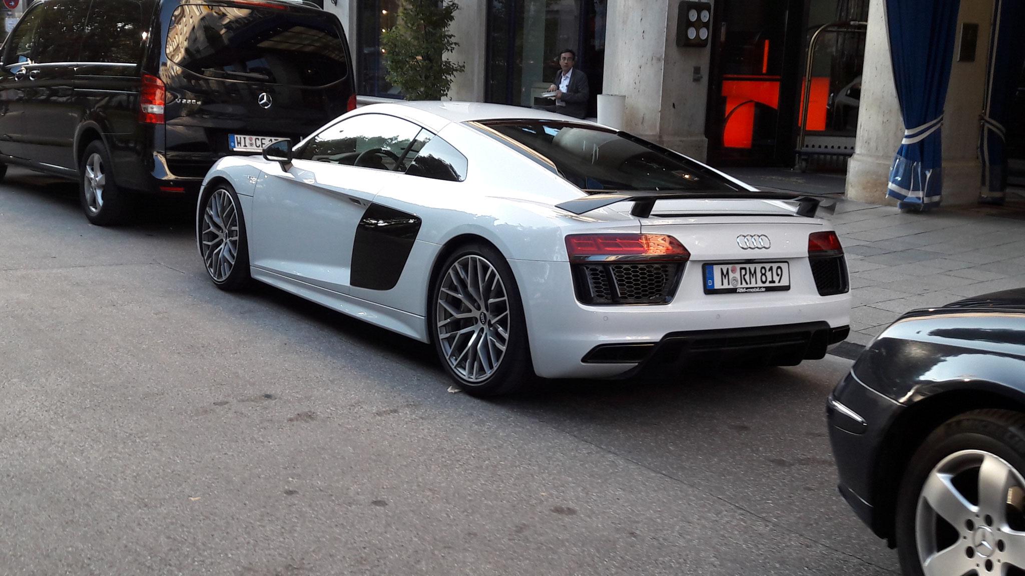 Audi R8 V10 - M-RM-819