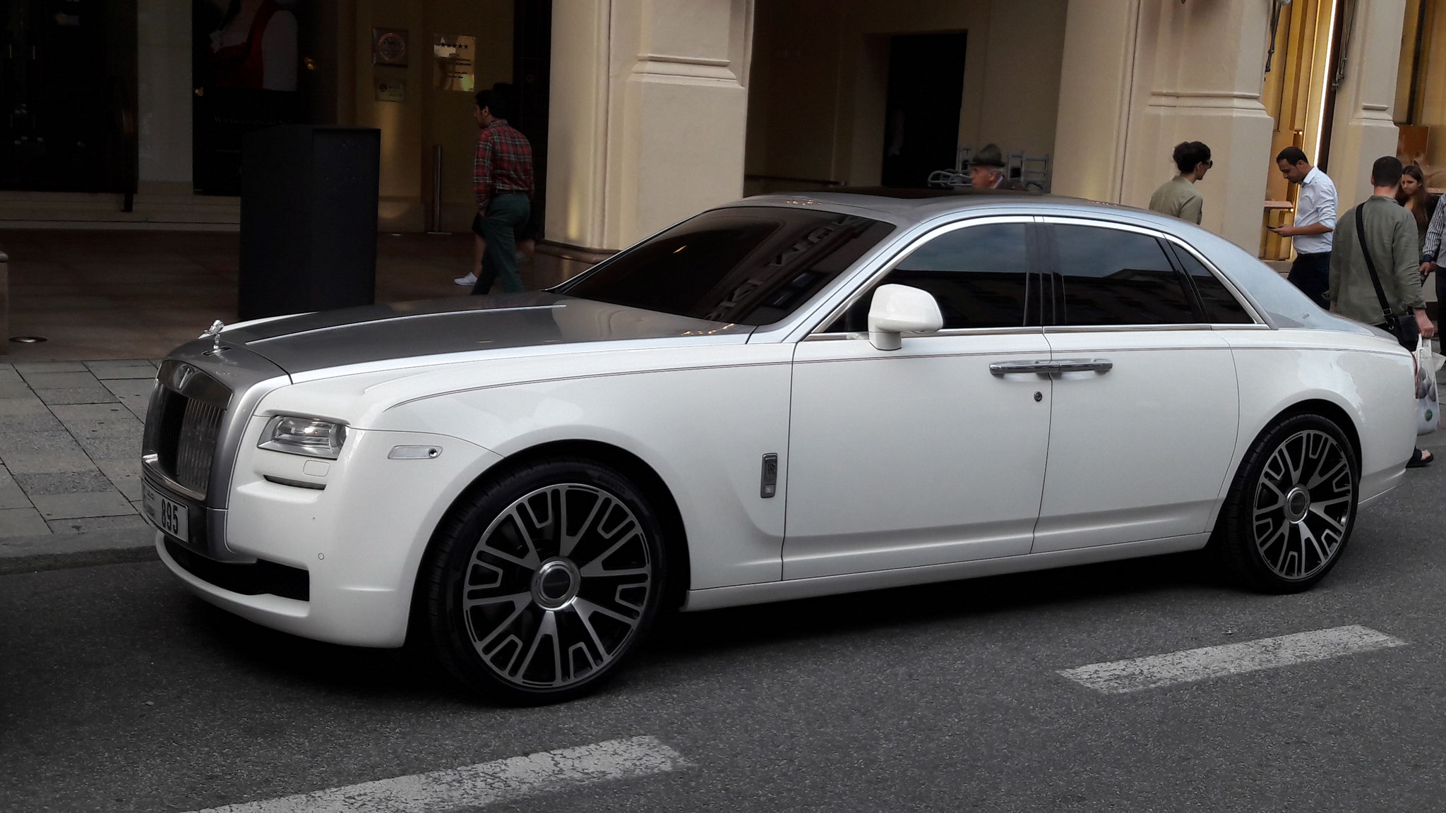 Rolls Royce Ghost - E-895 (UAE)