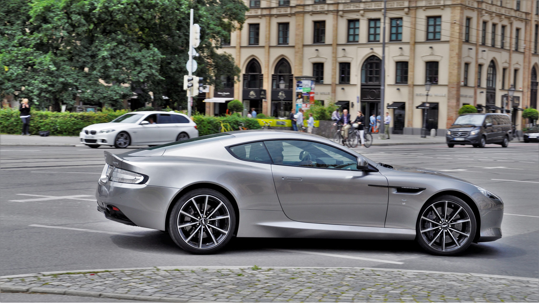 Aston Martin DB9 GT Coupé - GM-GT-2375