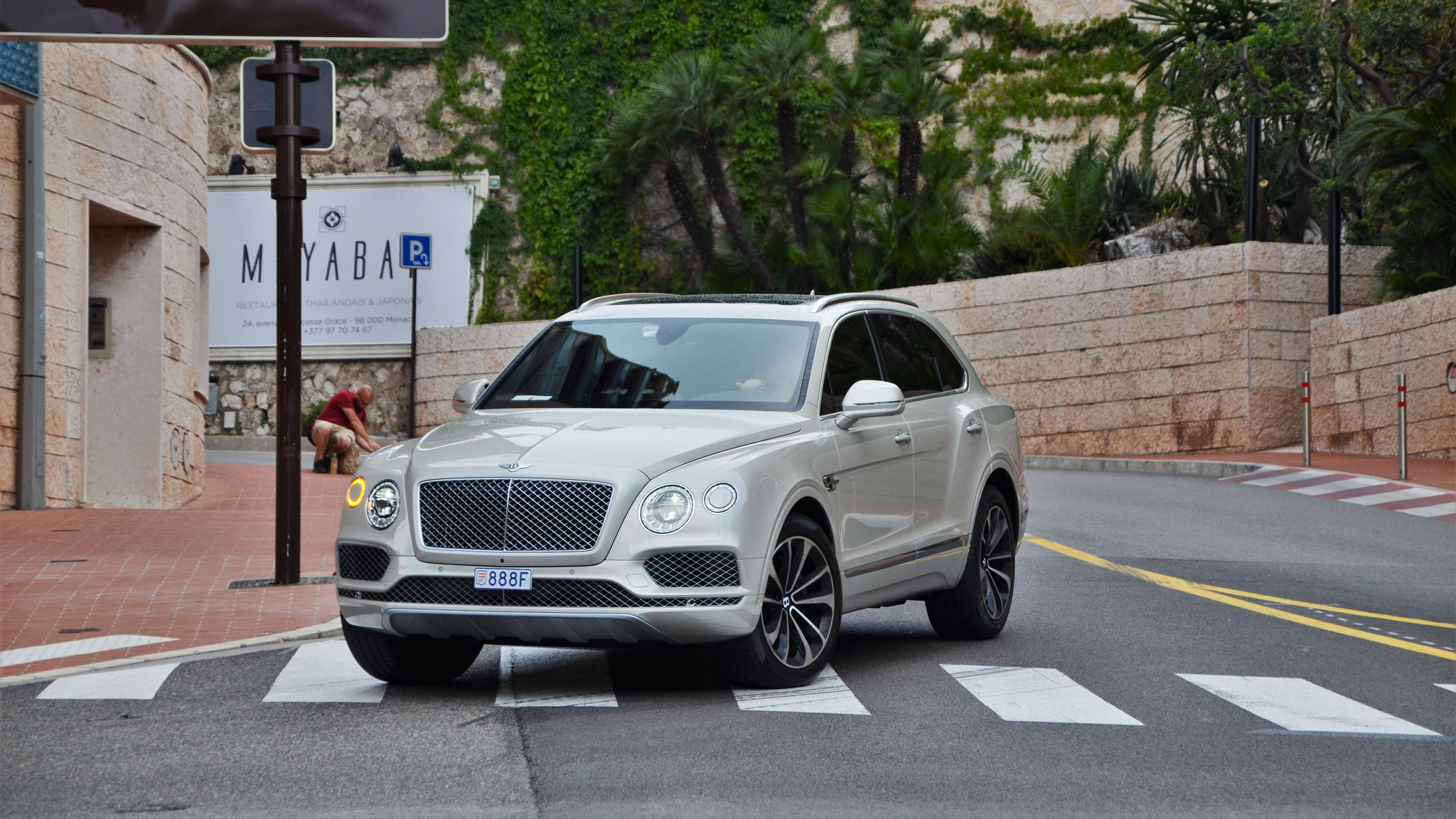 Bentley Bentayga - 888F (MC)