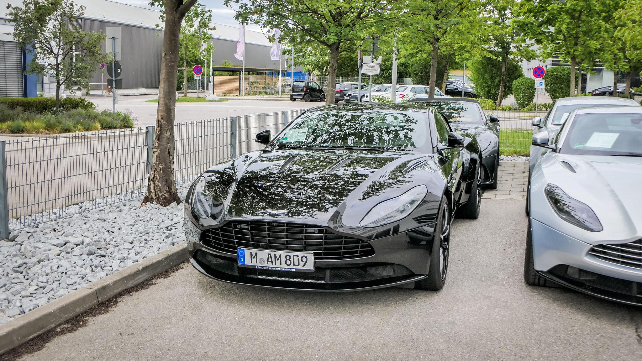 Aston Martin DB11 - M-AM-809
