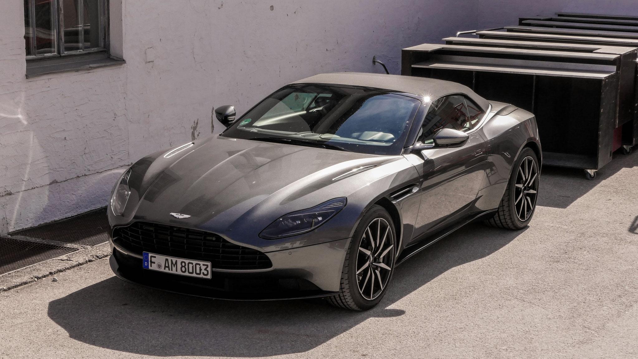 Aston Martin DB11 Volante - F-AM-8003