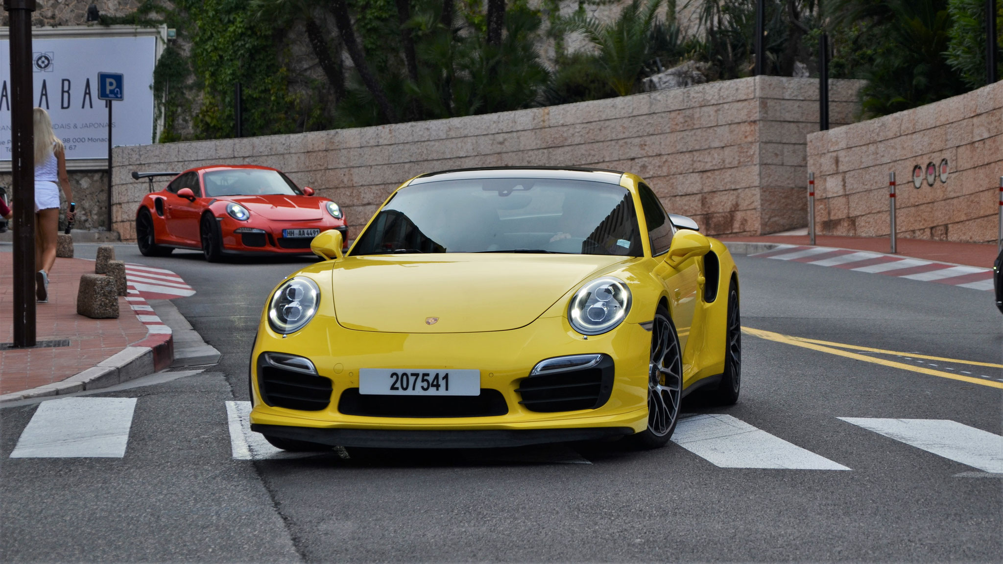 Porsche 911 Turbo S - 207541 (Arab)