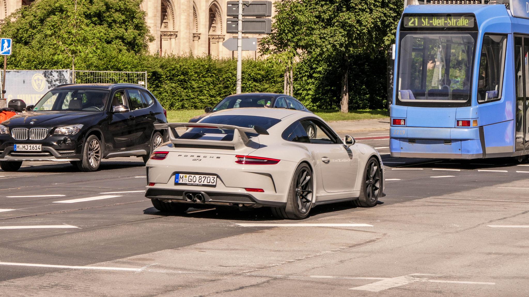 Porsche 991 GT3 - M-GO-8703