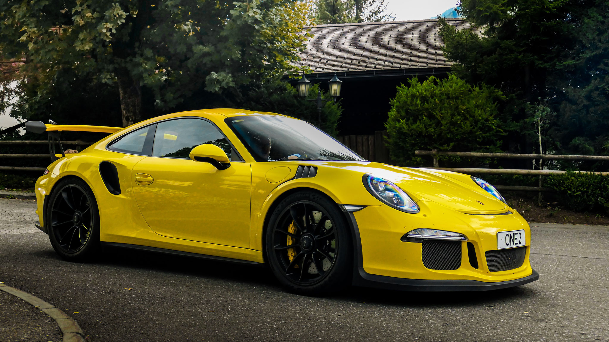 Porsche 911 GT3 RS - ONE2 (GB)