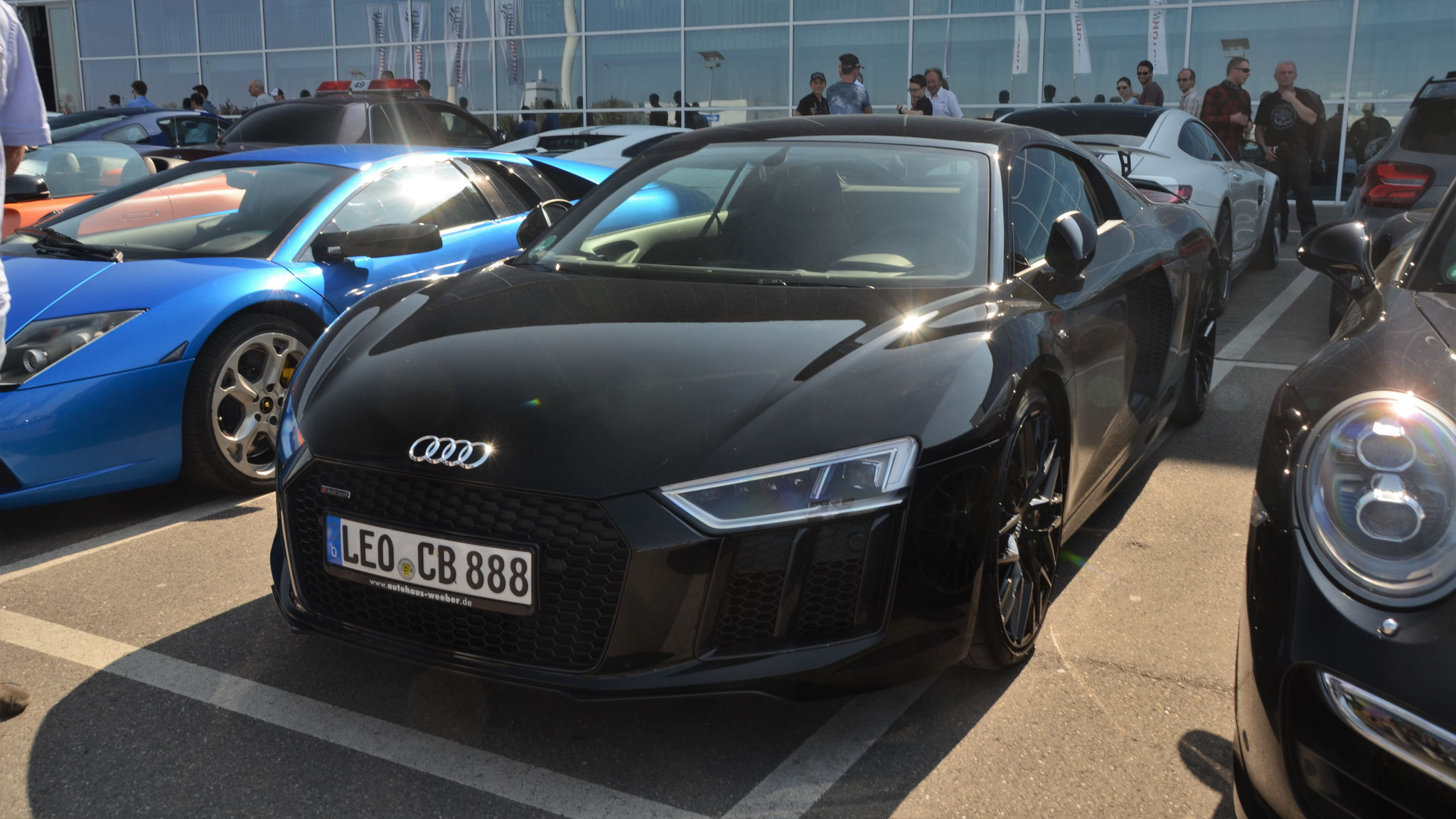 Audi R8 V10 - LEO-CB-888