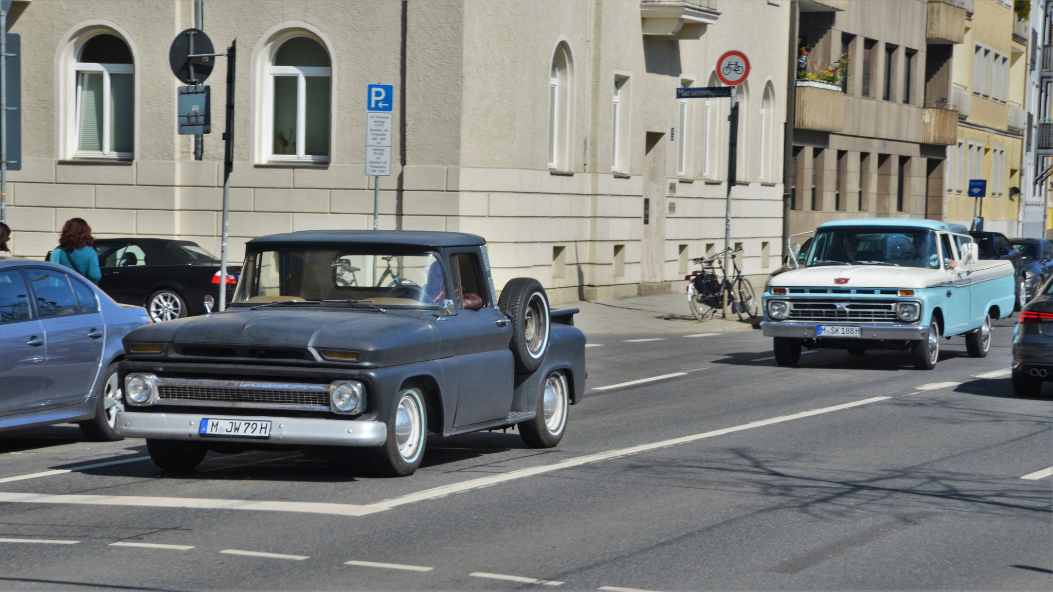 Chevrolet Pickup - M-JW-79H