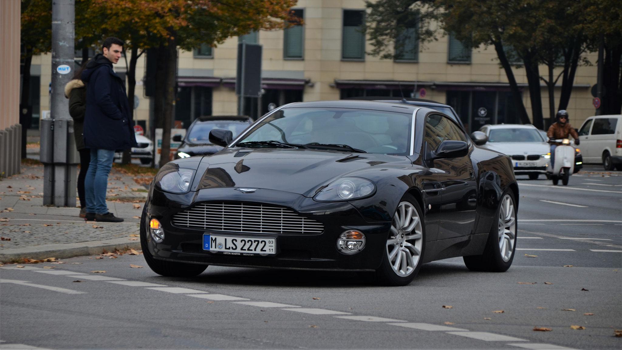 Aston Martin V12 Vanquish - M-LS-2272