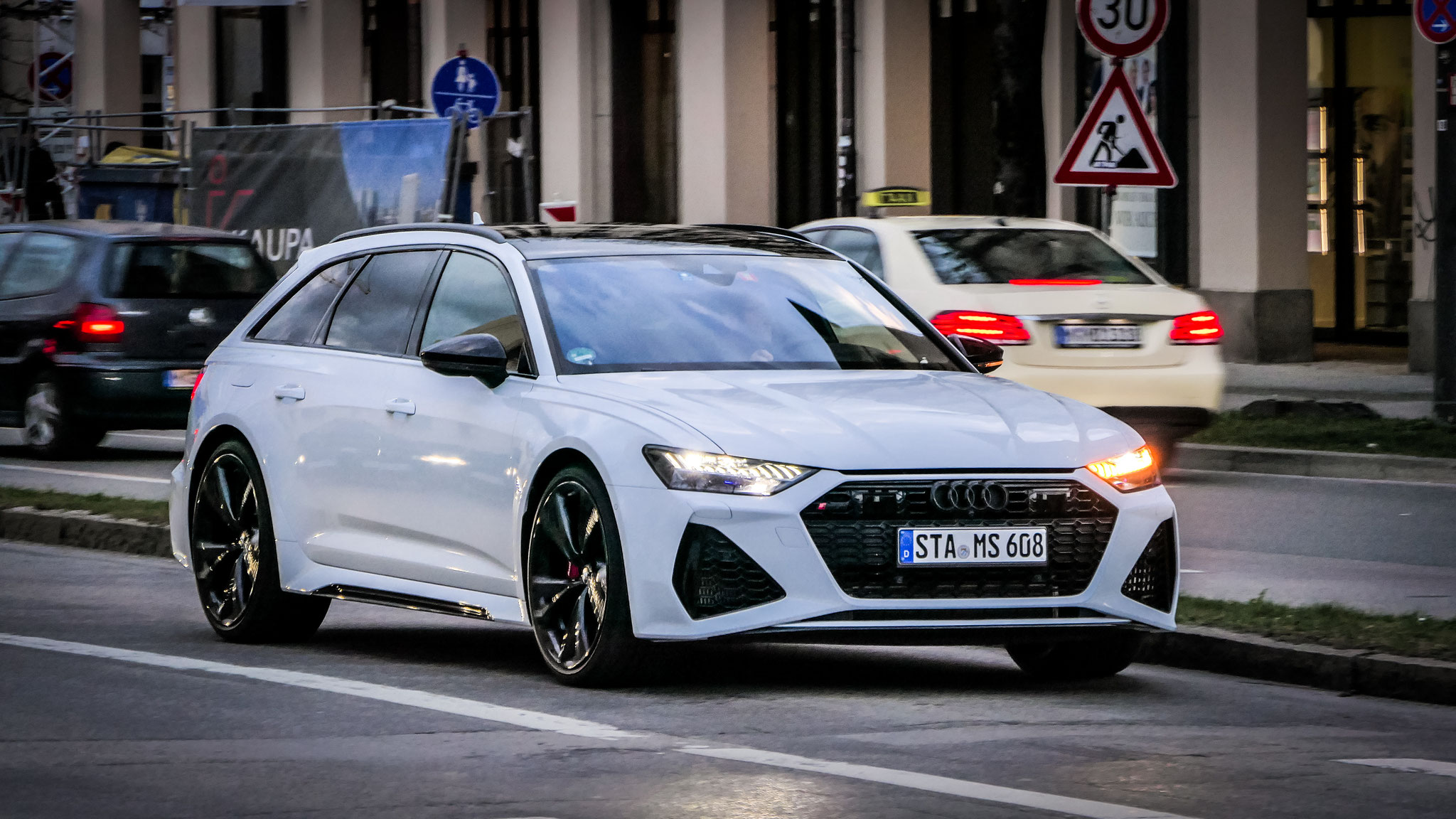 Audi RS6 - STA-MS-608