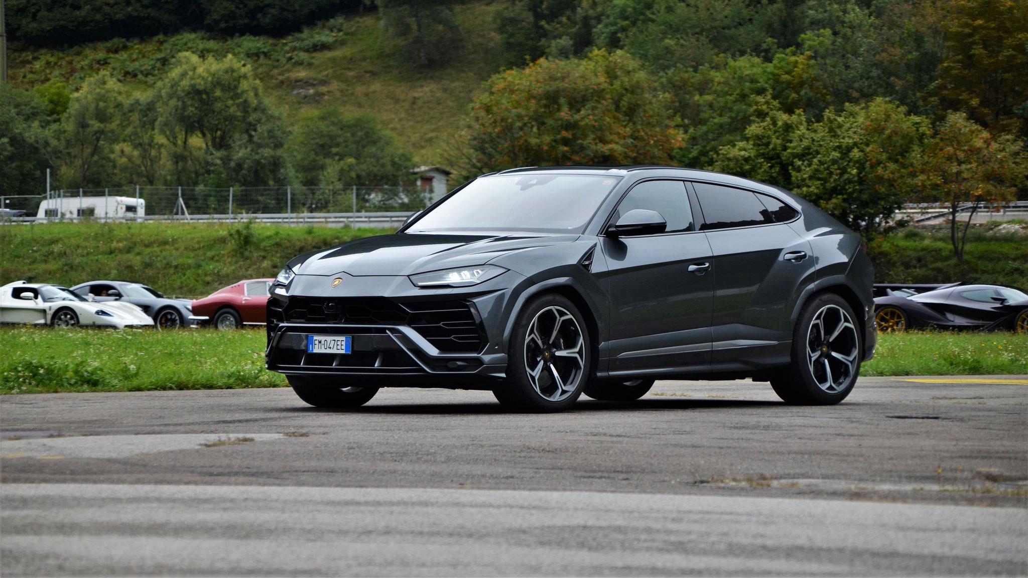 Lamborghini Urus - FM-047-EE (ITA)