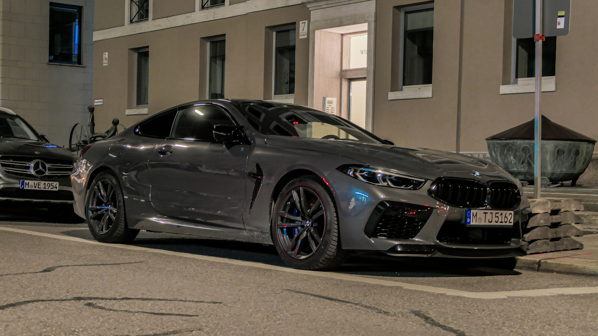 BMW M8 Competition - M-TJ-5162
