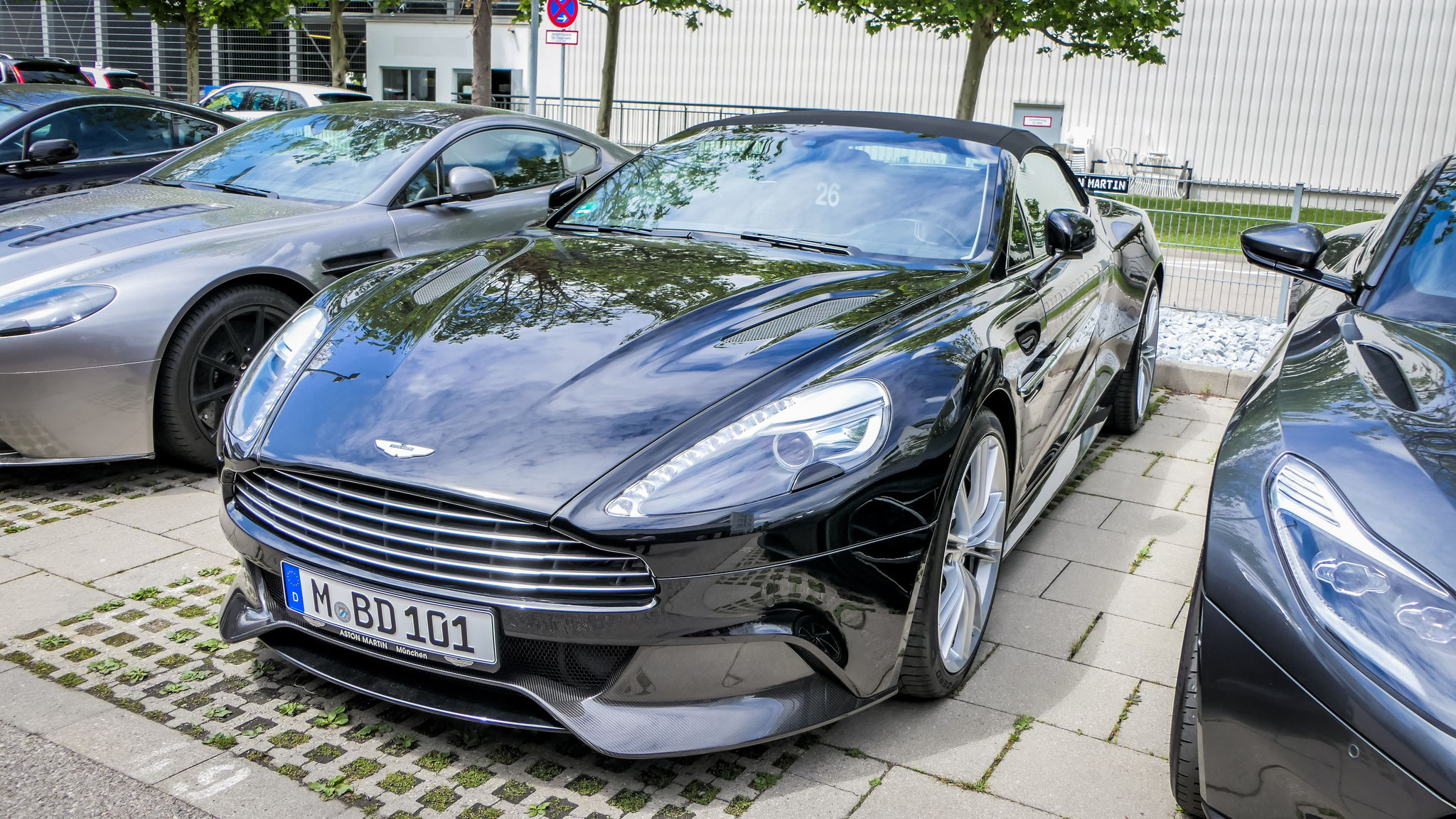 Aston Martin Vanquish - M-BD-101