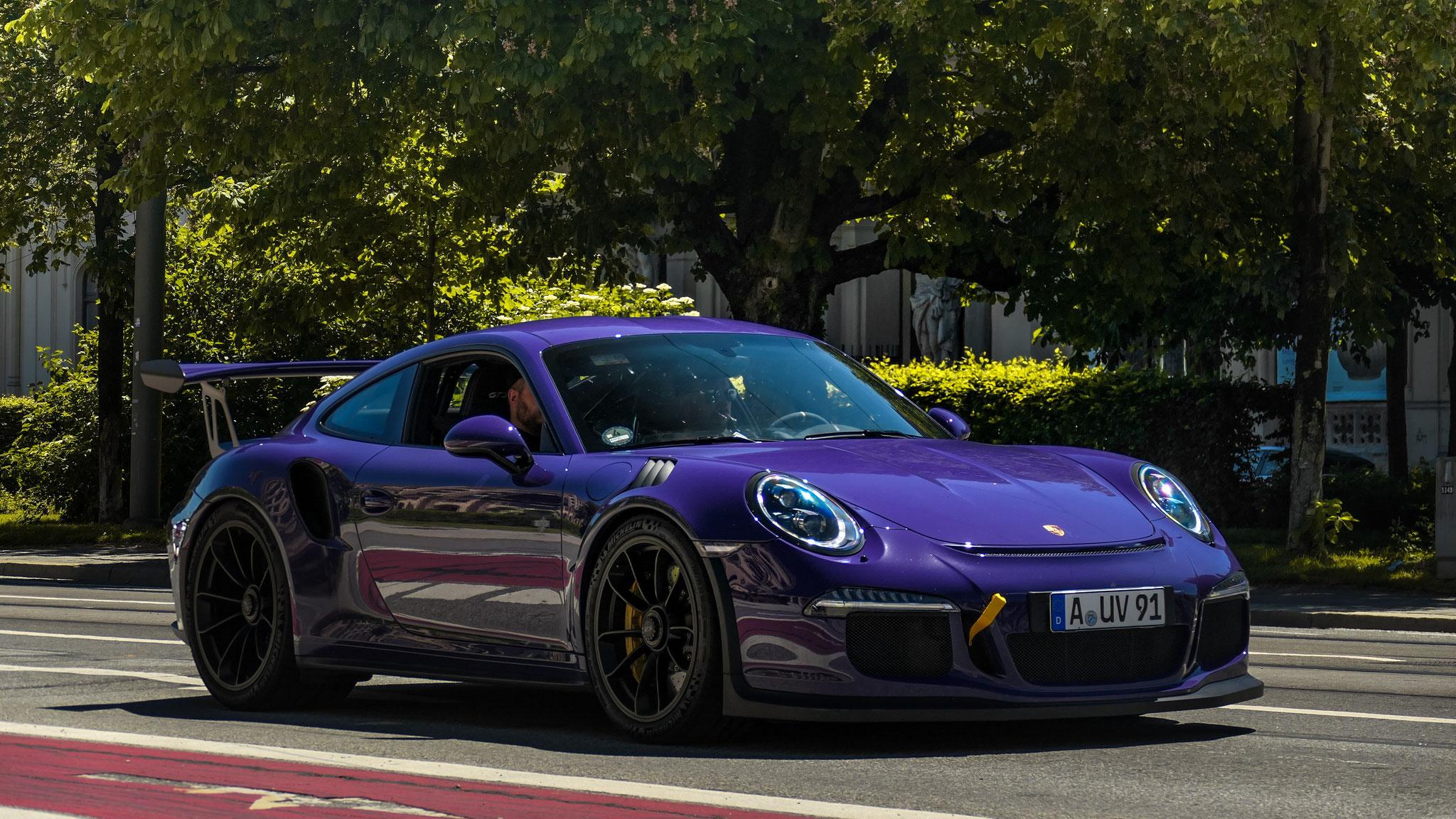 Porsche 911 GT3 RS - A-UV-91