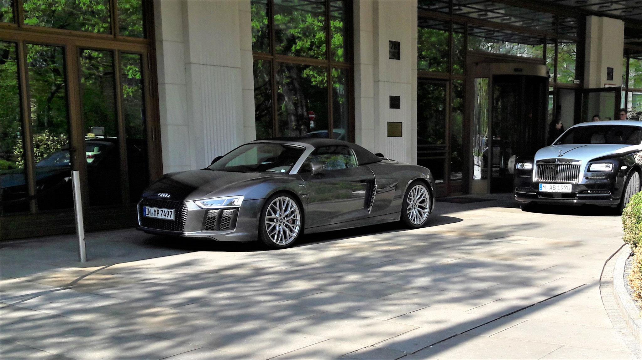 Audi R8 V10 Spyder - IN-MP-7497