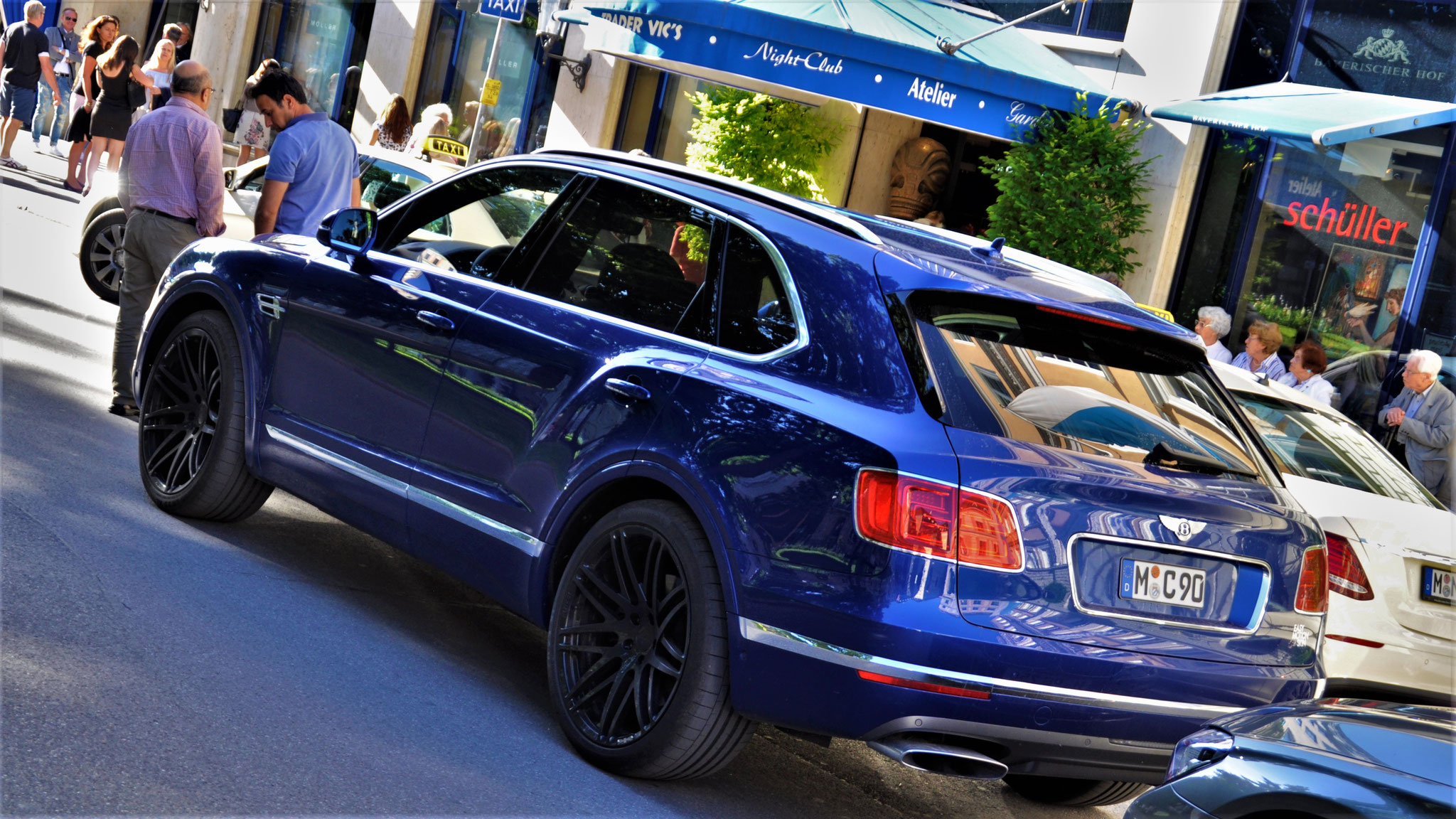 Bentley Bentayga - M-C-90