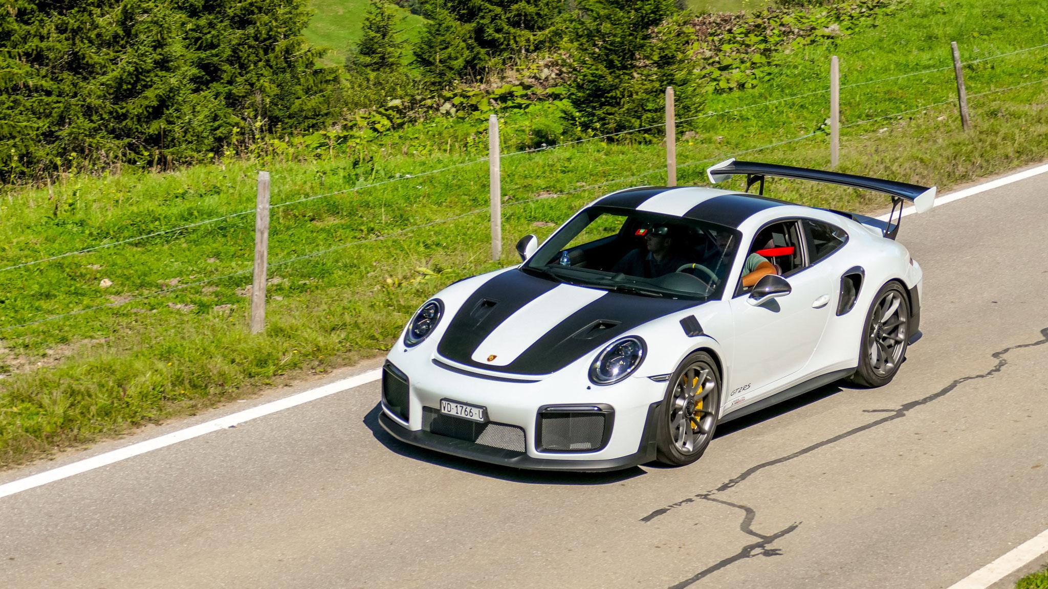 Porsche GT2 RS - VD-1776-U (CH)