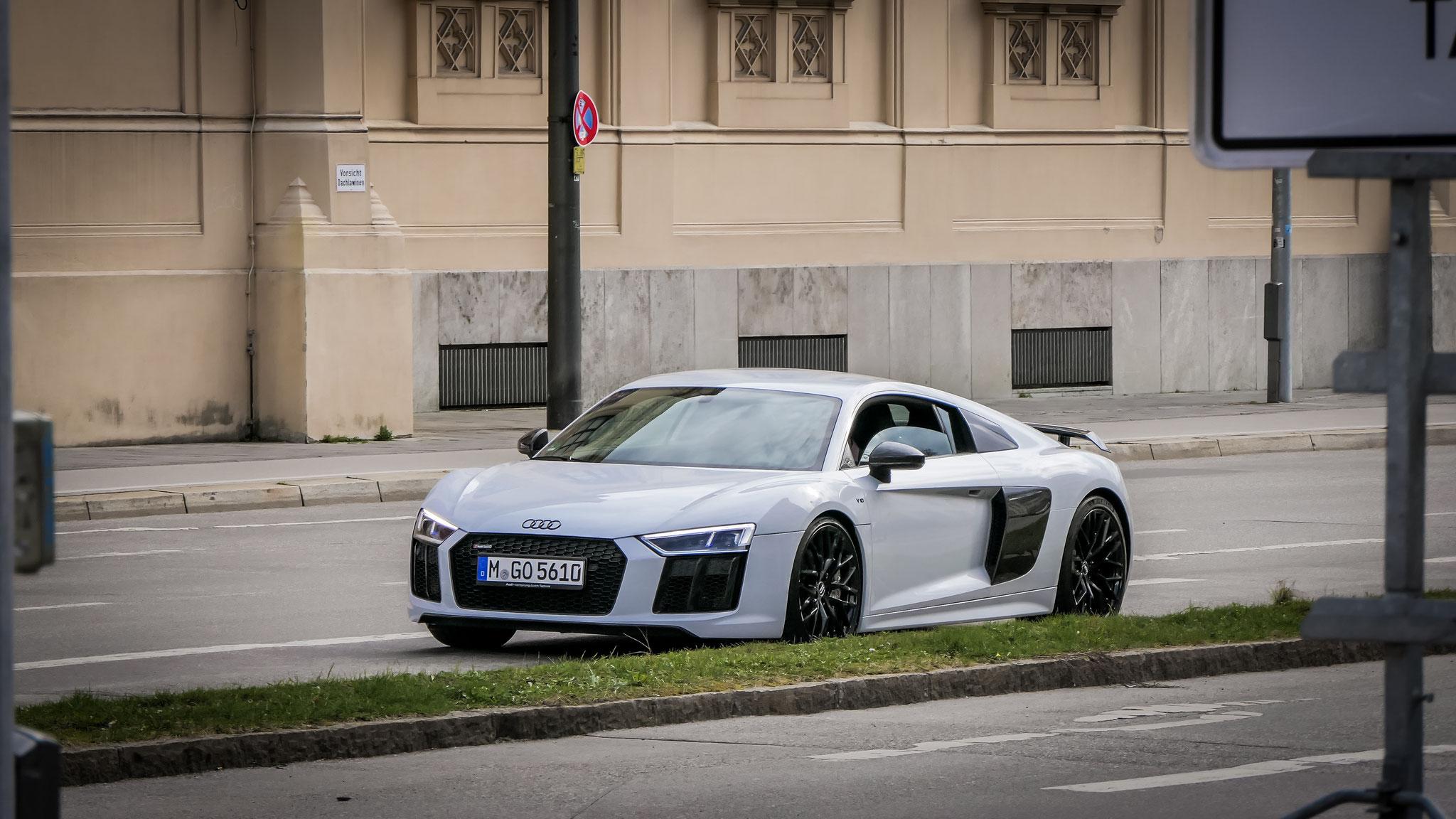 Audi R8 V10 - M-GO-5610