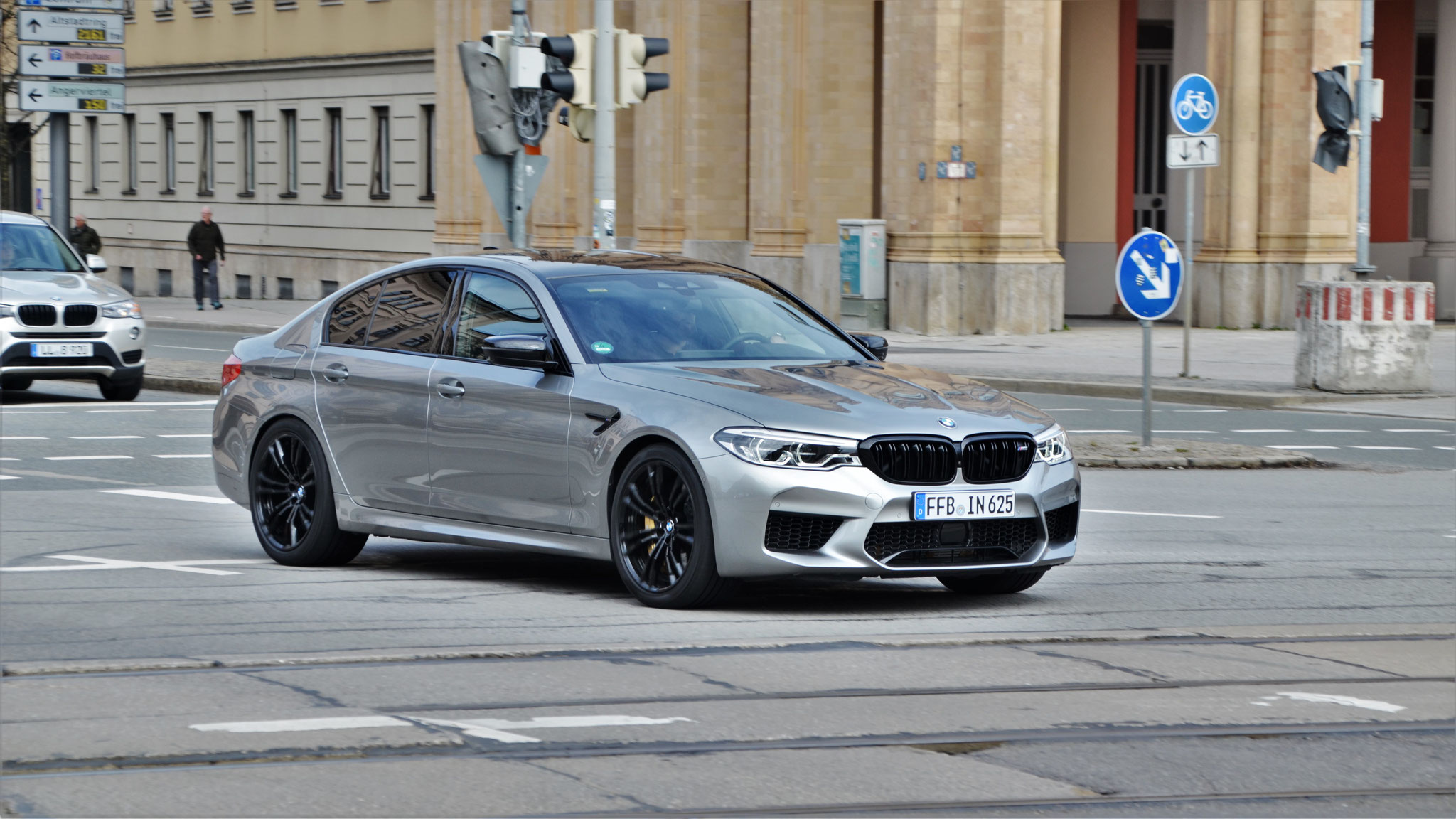 BMW M5 - FFB-IN-625