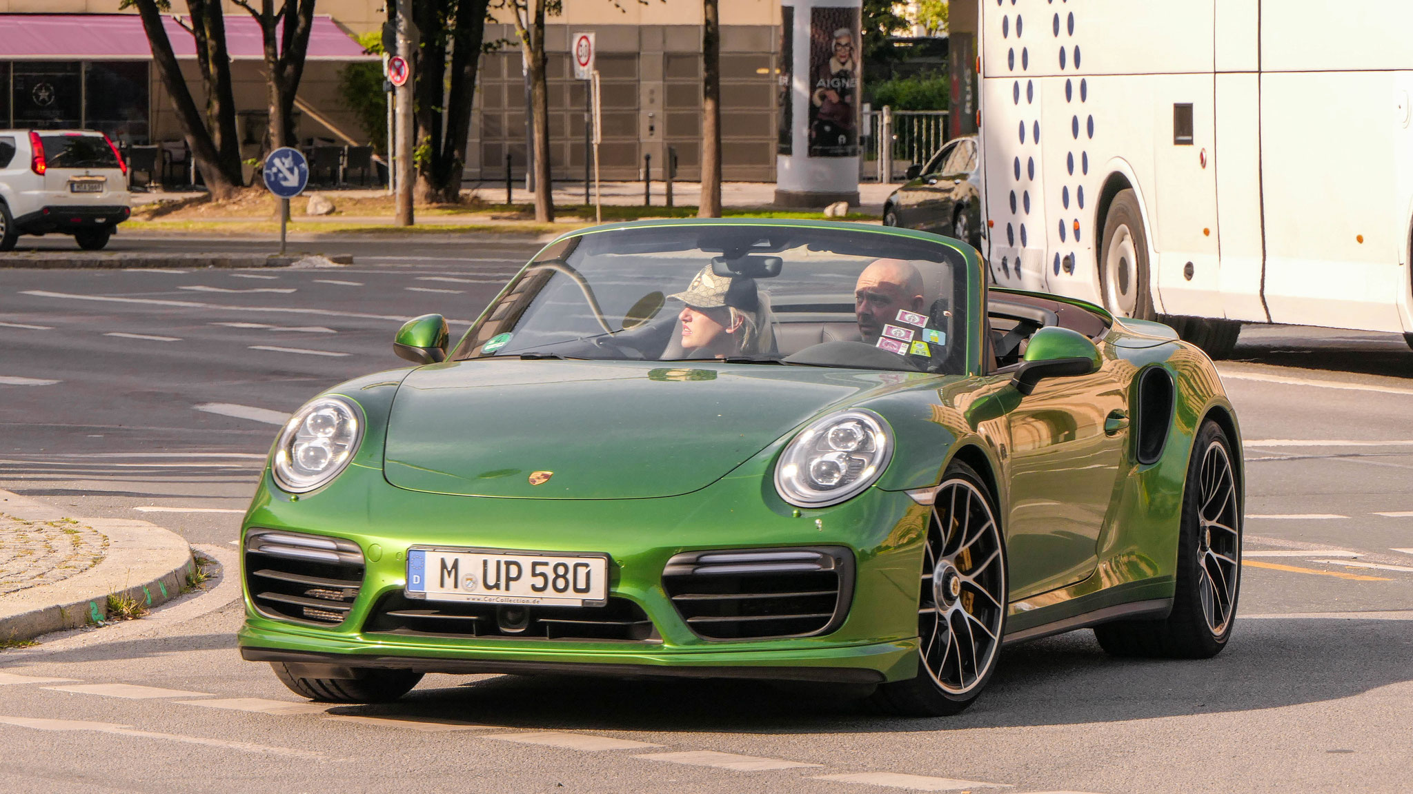Porsche 911 Turbo S - M-UP-580