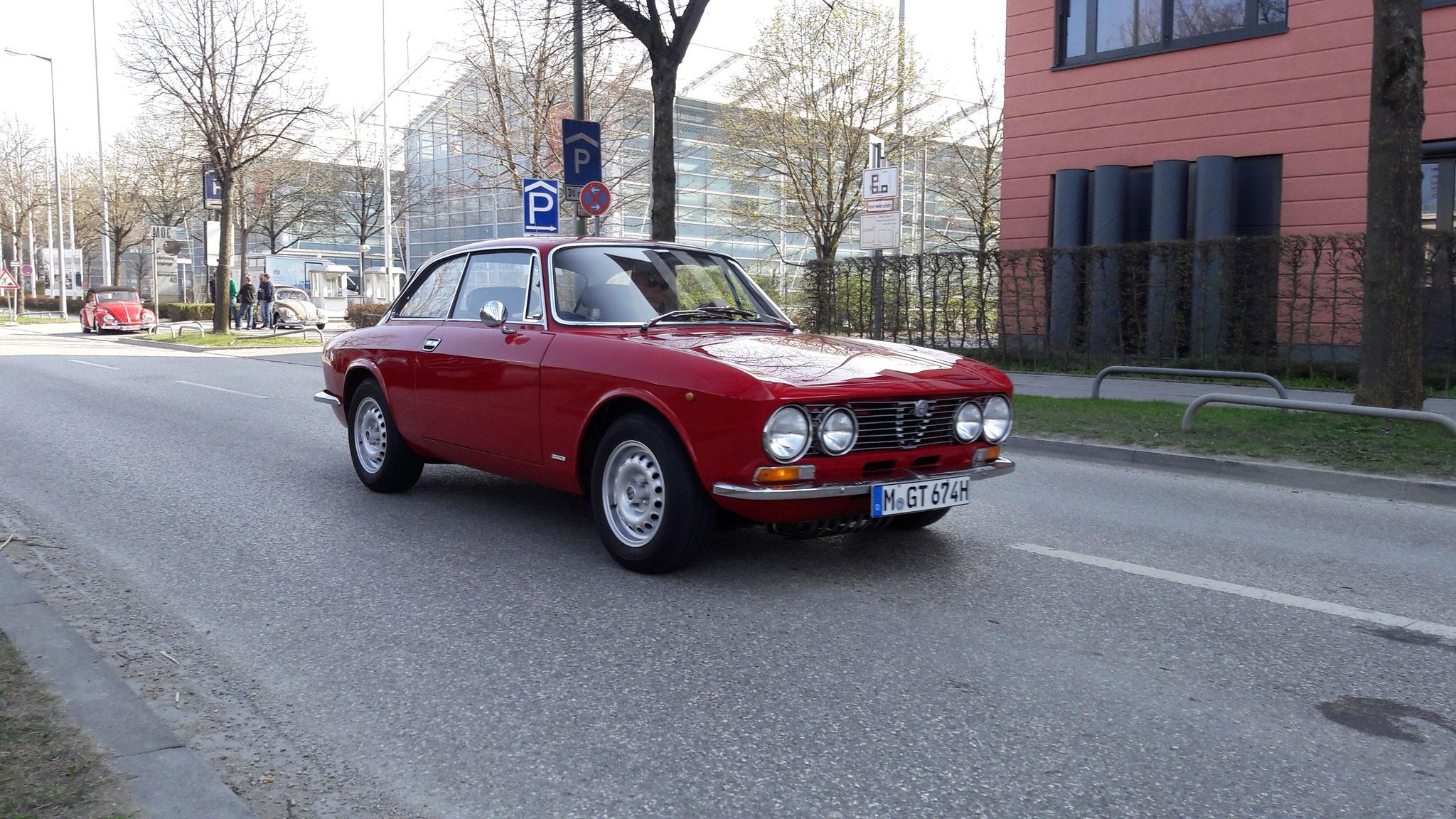 Alfa Romeo 2000 GT Veloce - M-GT-674H