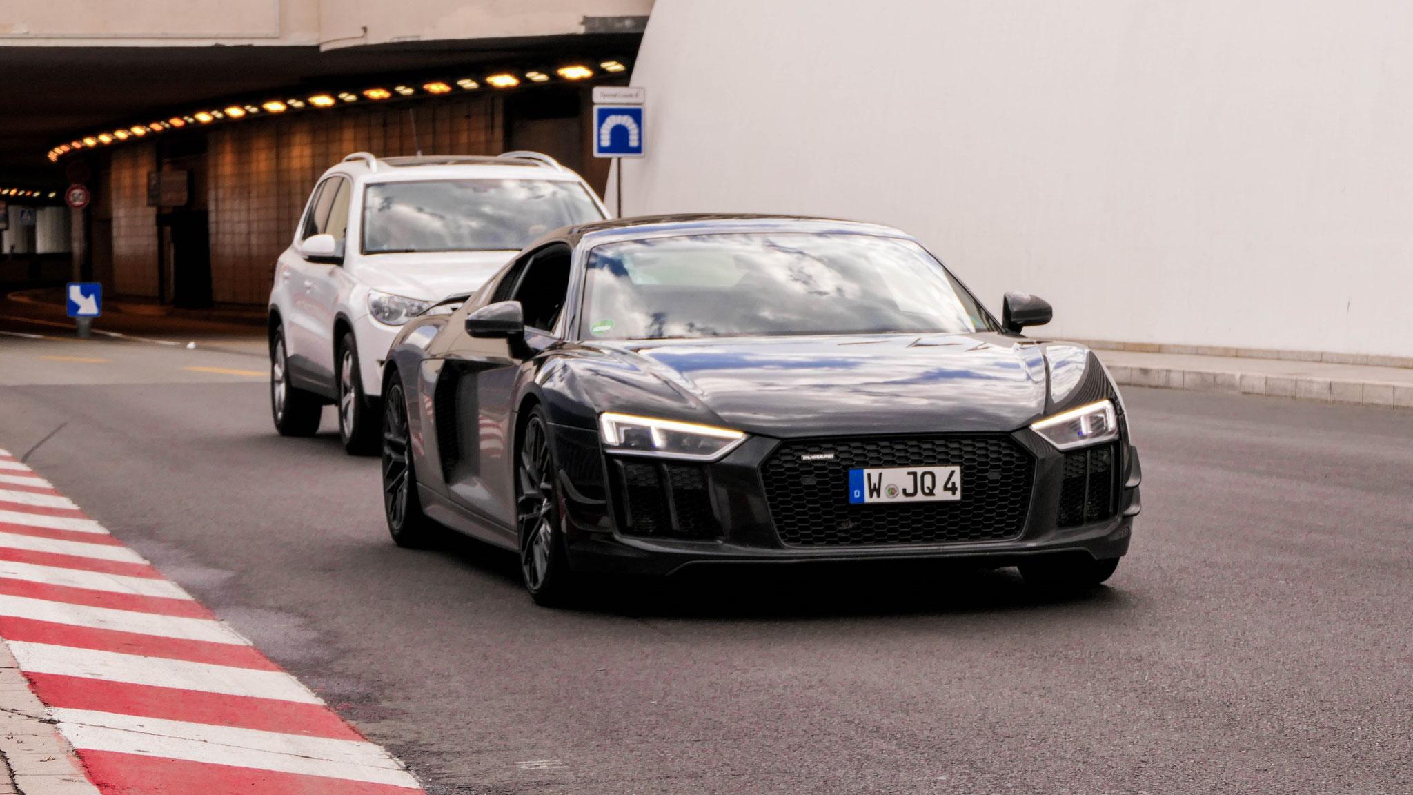 Audi R8 V10 - W-JQ-4