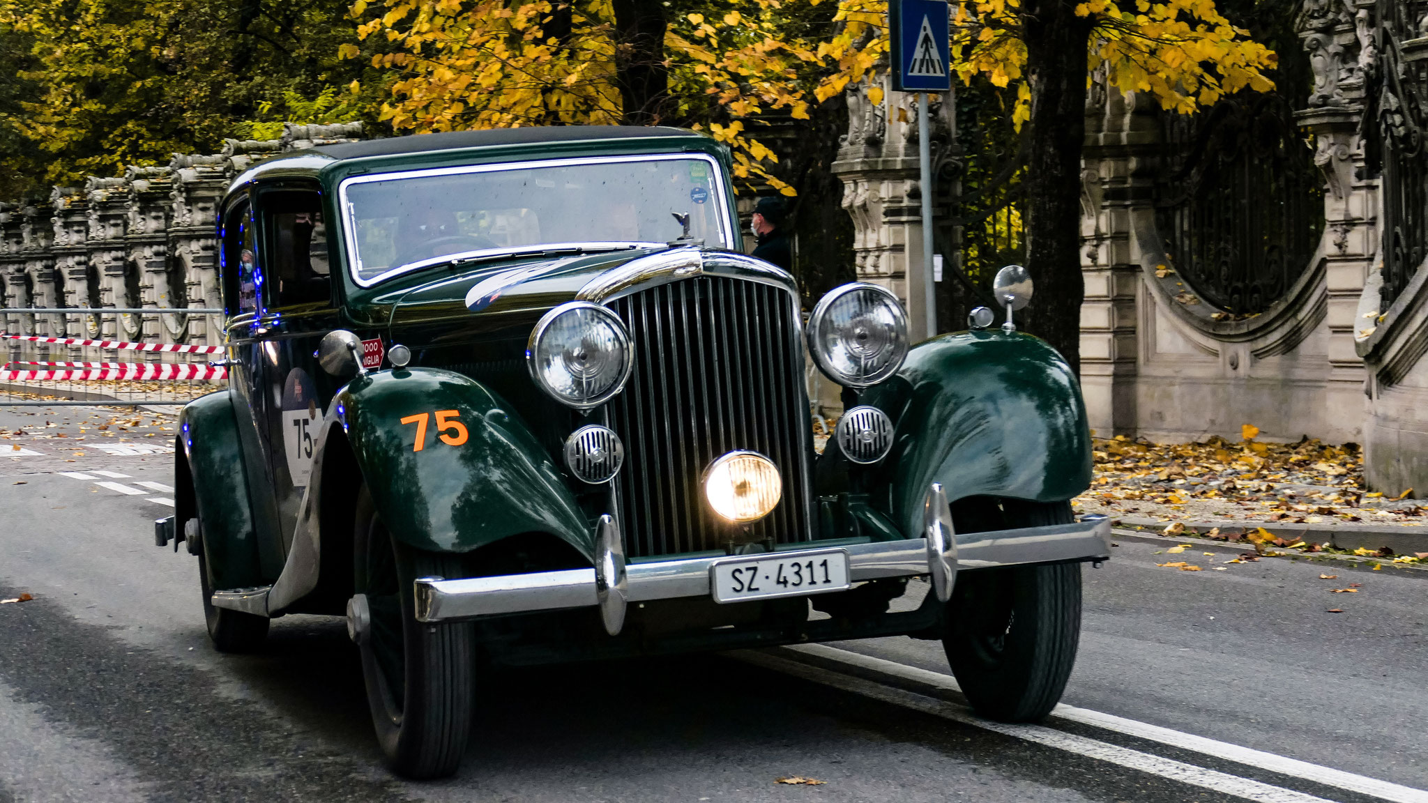 Bentley 3 1/2 Litre - SZ-4311 (CH)