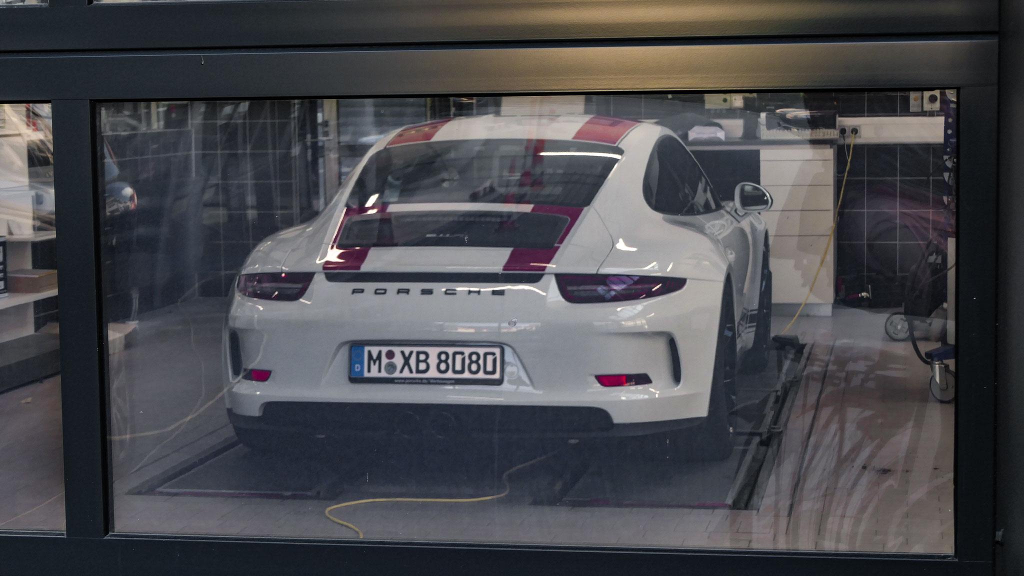 Porsche 911 R - M-XB-8080