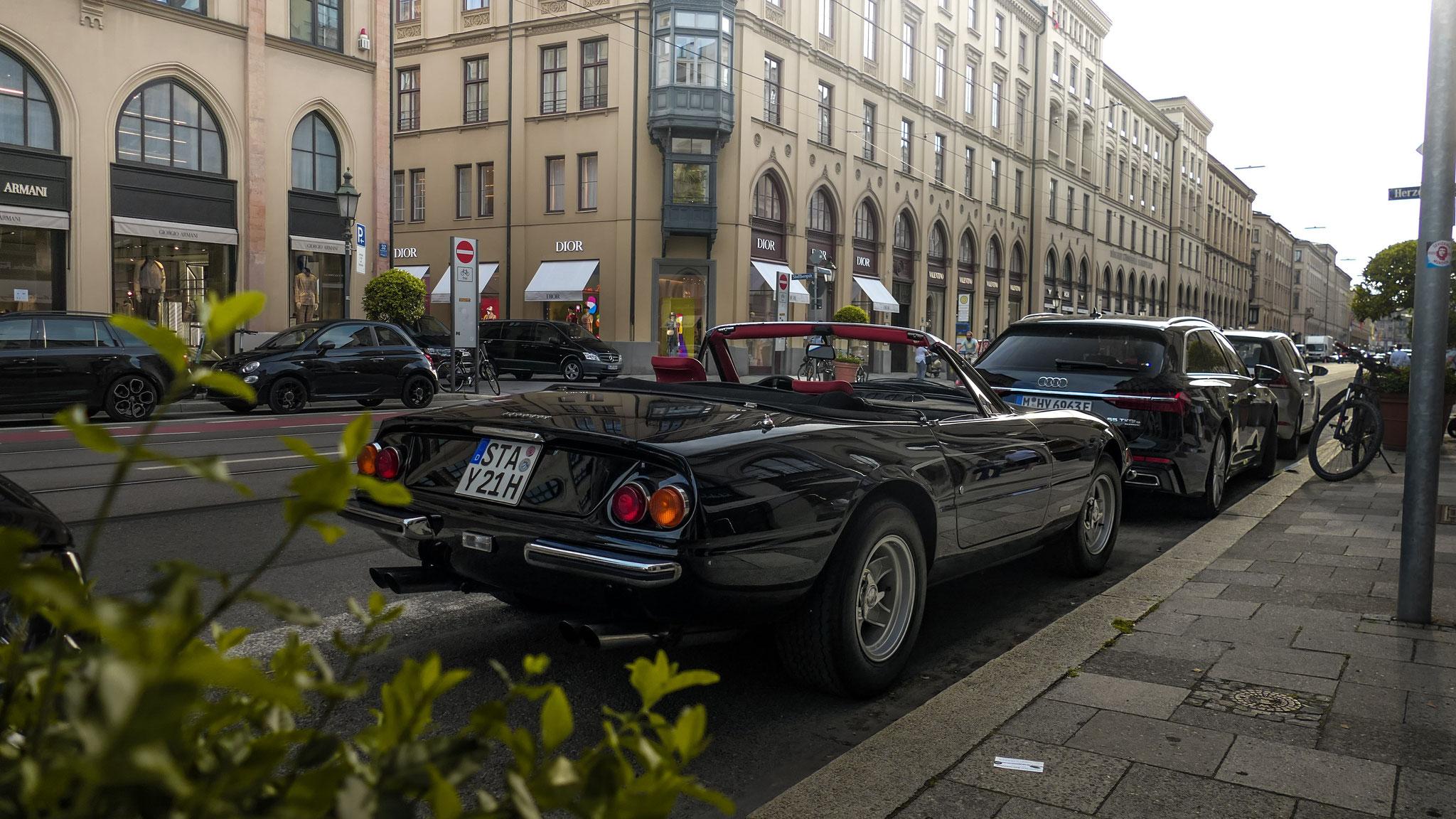Ferrari 365 Daytona Spider (1 of 125) - STA-Y-21H