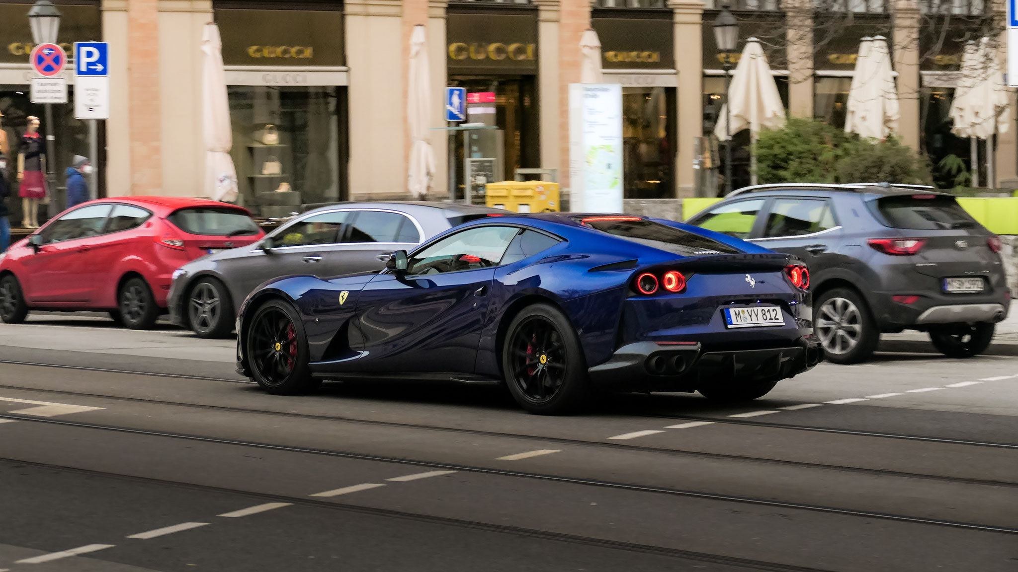 Ferrari 812 Superfast - M-YY-812